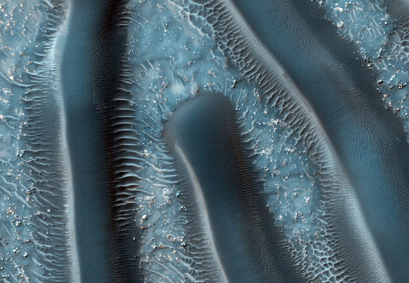 Mars_images-satellite_Millipedes_of_Mars_photos-by-NASA-and-ESA_best-selection-photography