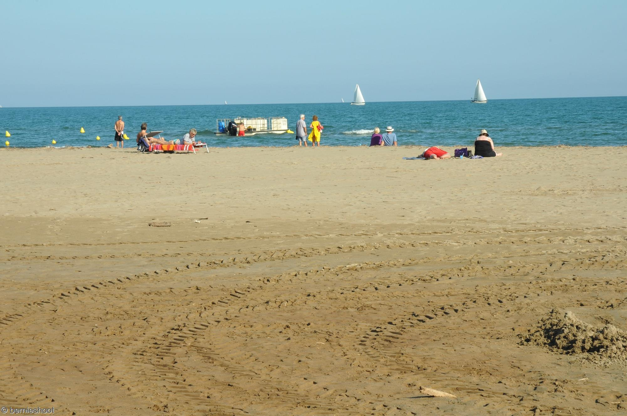 vacanciers_plage_destinatination_sable_chaud