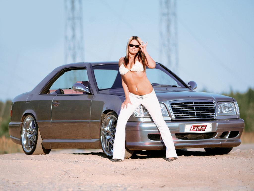 Sexy 17,fonds écran gratuits sur l'automobile à ...