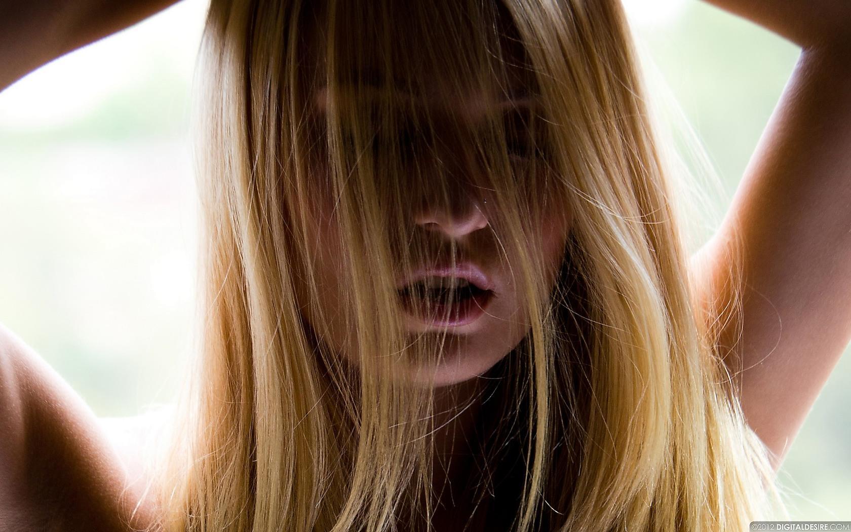 fond-ecran-filles-blondes_1