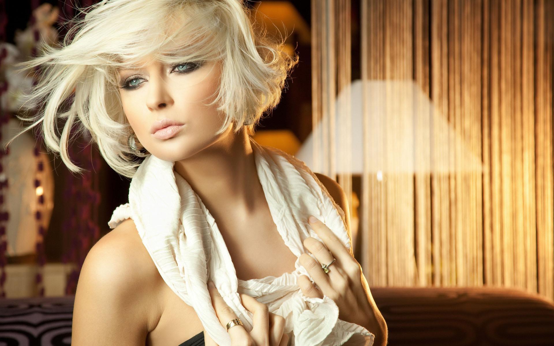 fond-ecran-filles-blondes_15