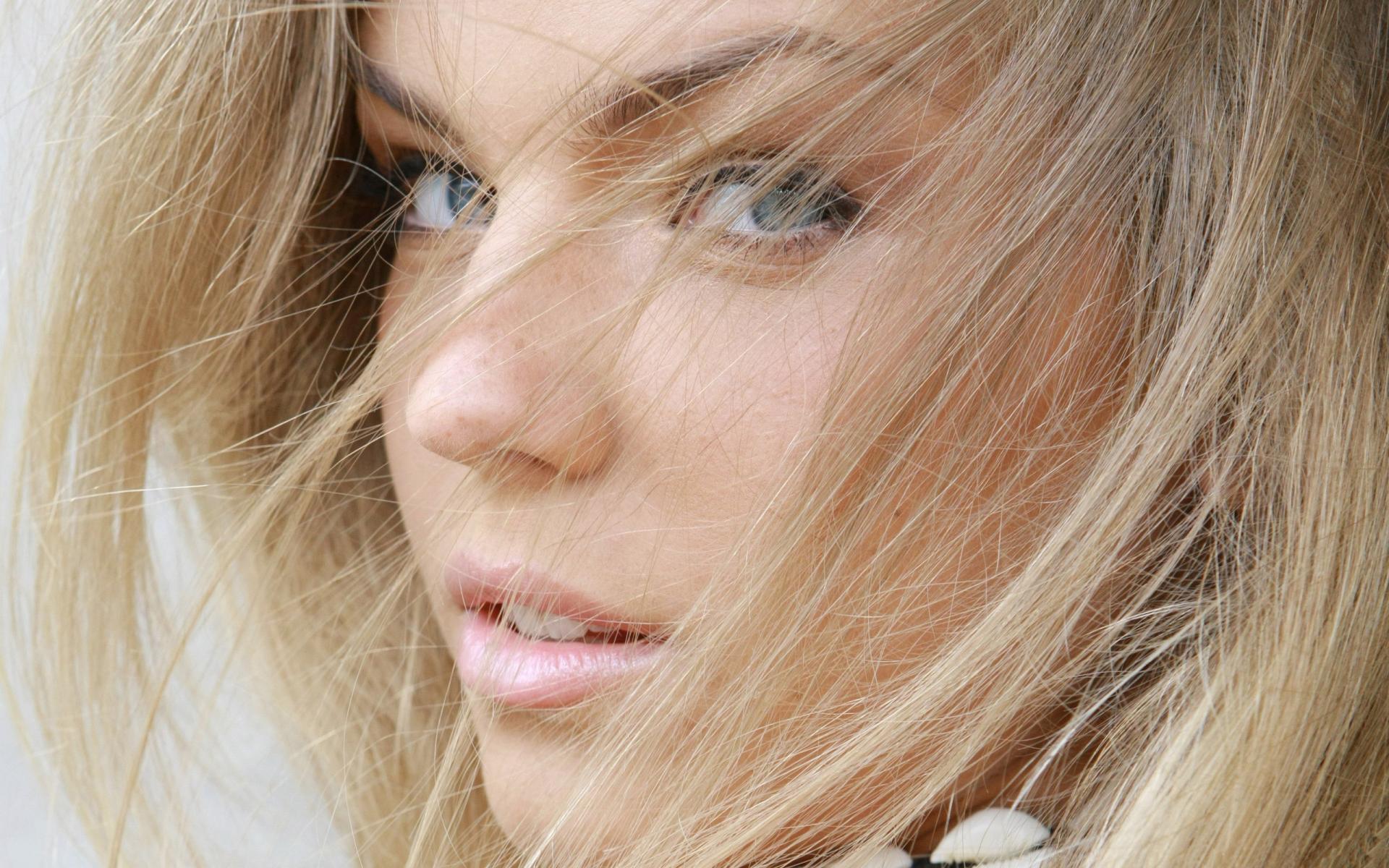 fond-ecran-filles-blondes_19