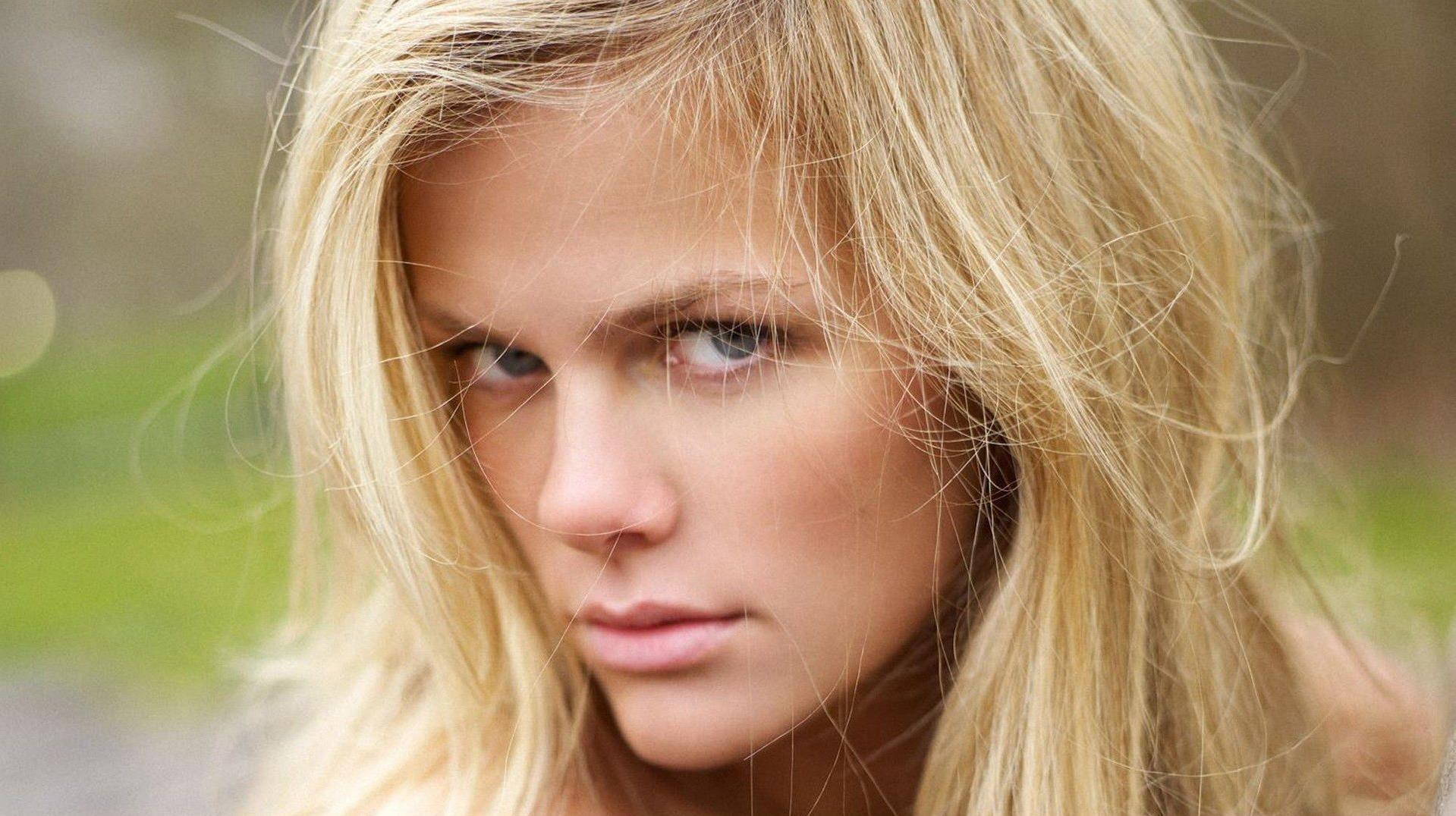 fond-ecran-filles-blondes_7