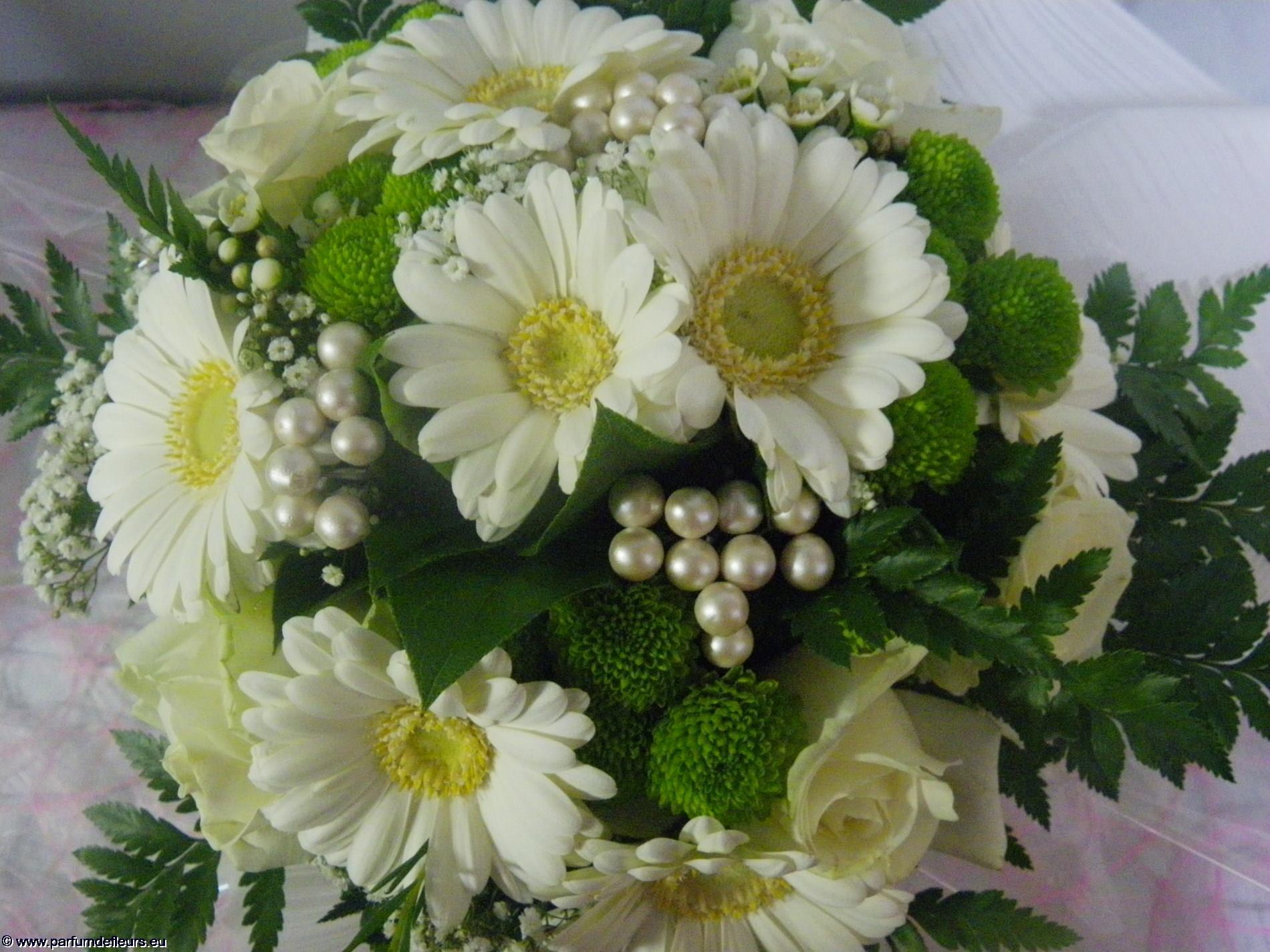 offrir-des-fleurs_fonds-ecran_08