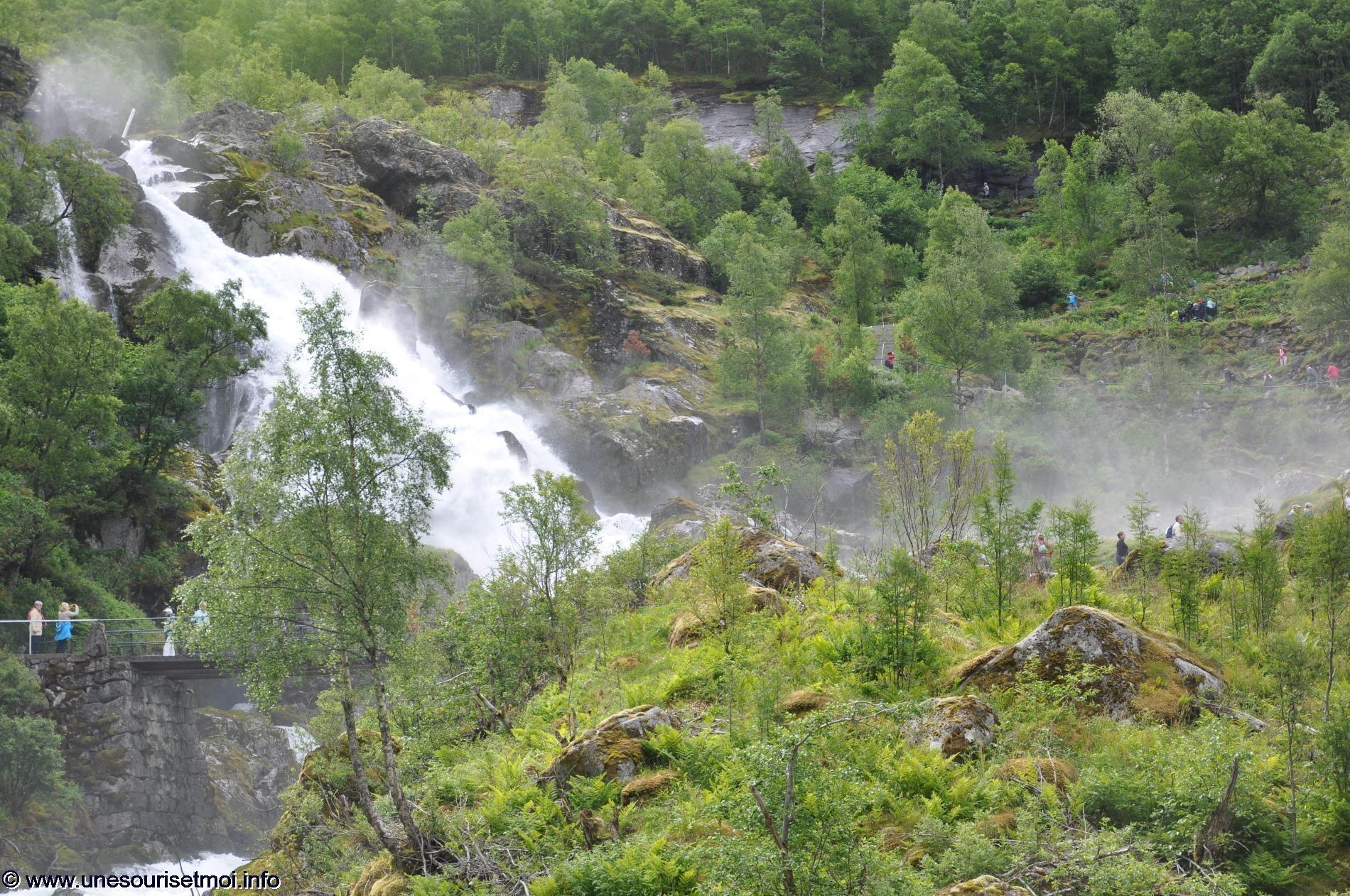 norvege_ville-de-olden_glacier-de-briksdal_04