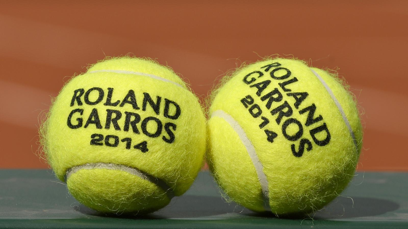 balles-officielles-du-tournoi-tennis-2014_fond-ecran