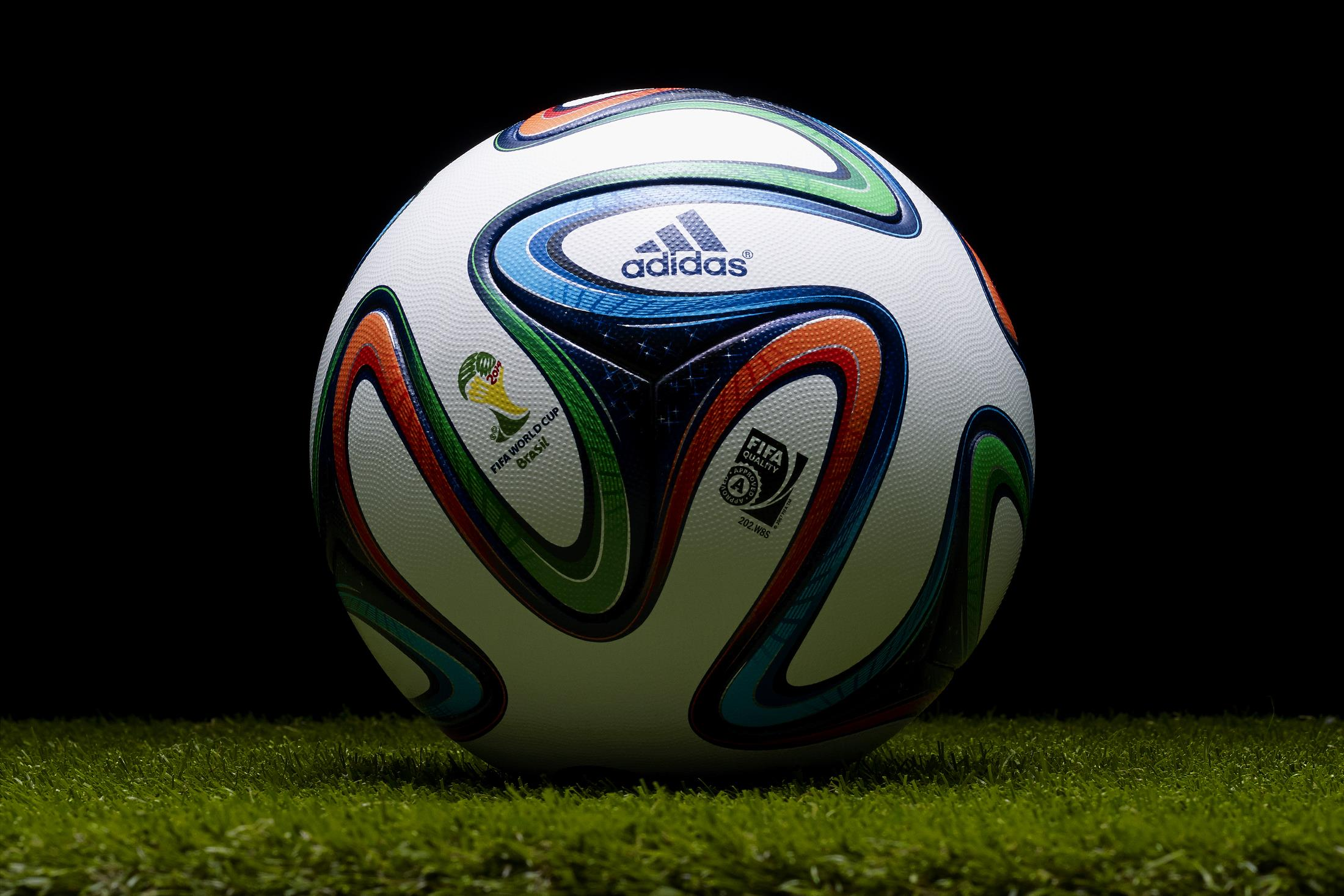 brazuca-ballon-officiel-coupe-du-monde-2014-adidas