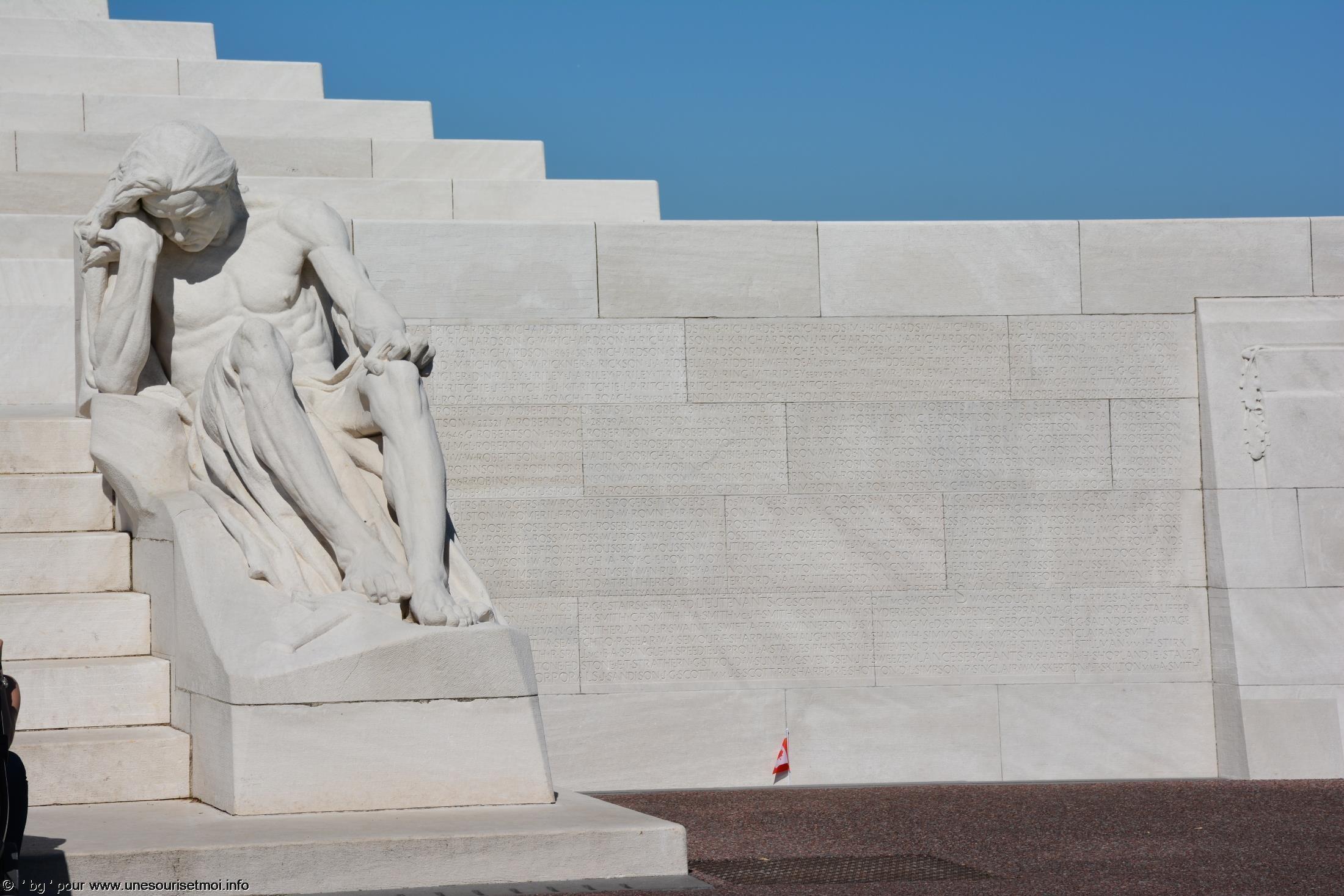 statues-et-sculptures-premiere-guerre-mondiale-le-parc-et-le-memorial-canadien-de-vimy_1
