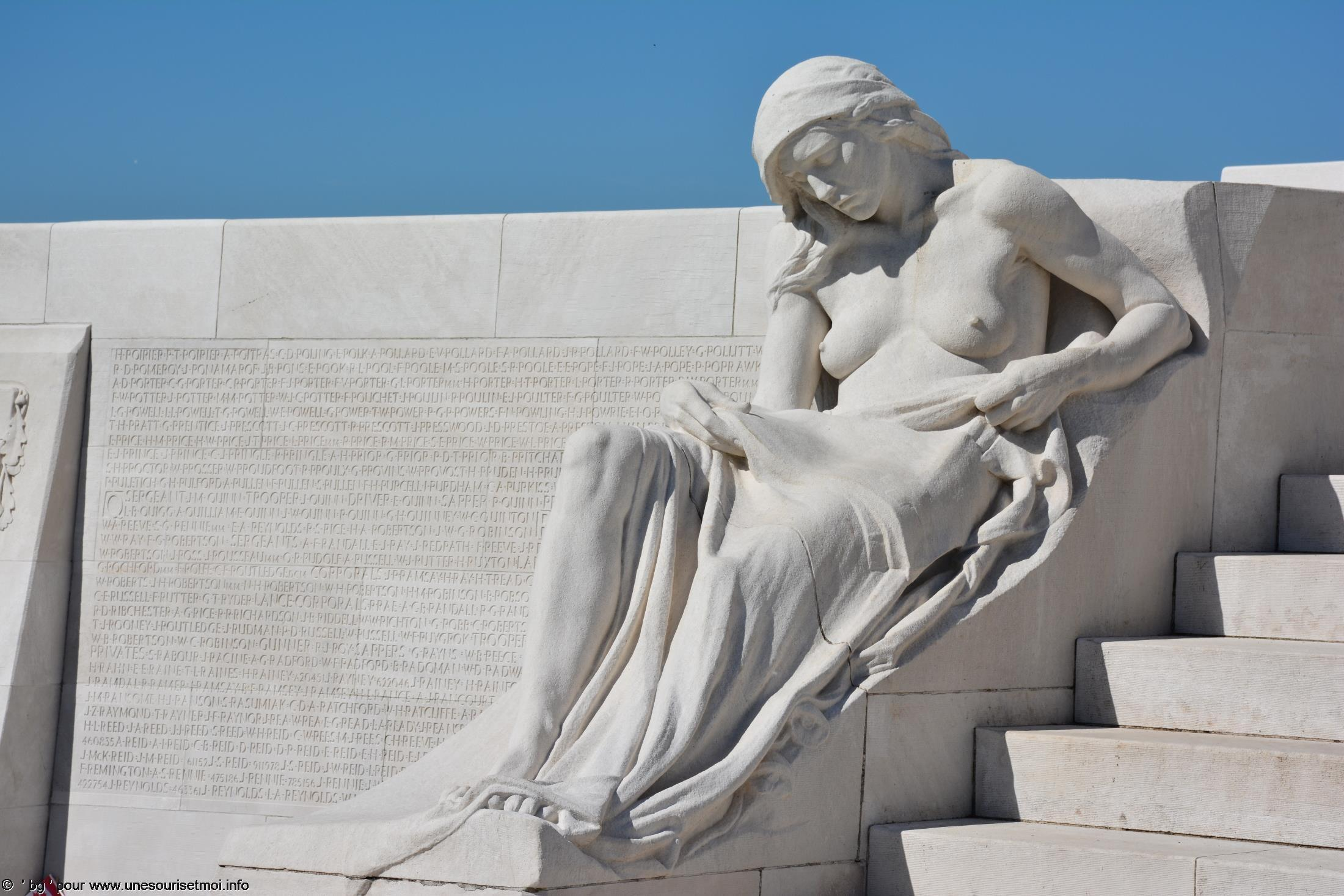 statues-et-sculptures-premiere-guerre-mondiale-le-parc-et-le-memorial-canadien-de-vimy_2