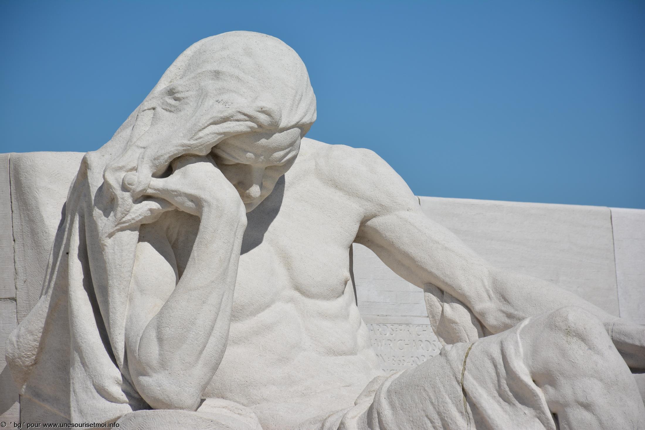 statues-et-sculptures-premiere-guerre-mondiale-le-parc-et-le-memorial-canadien-de-vimy_4