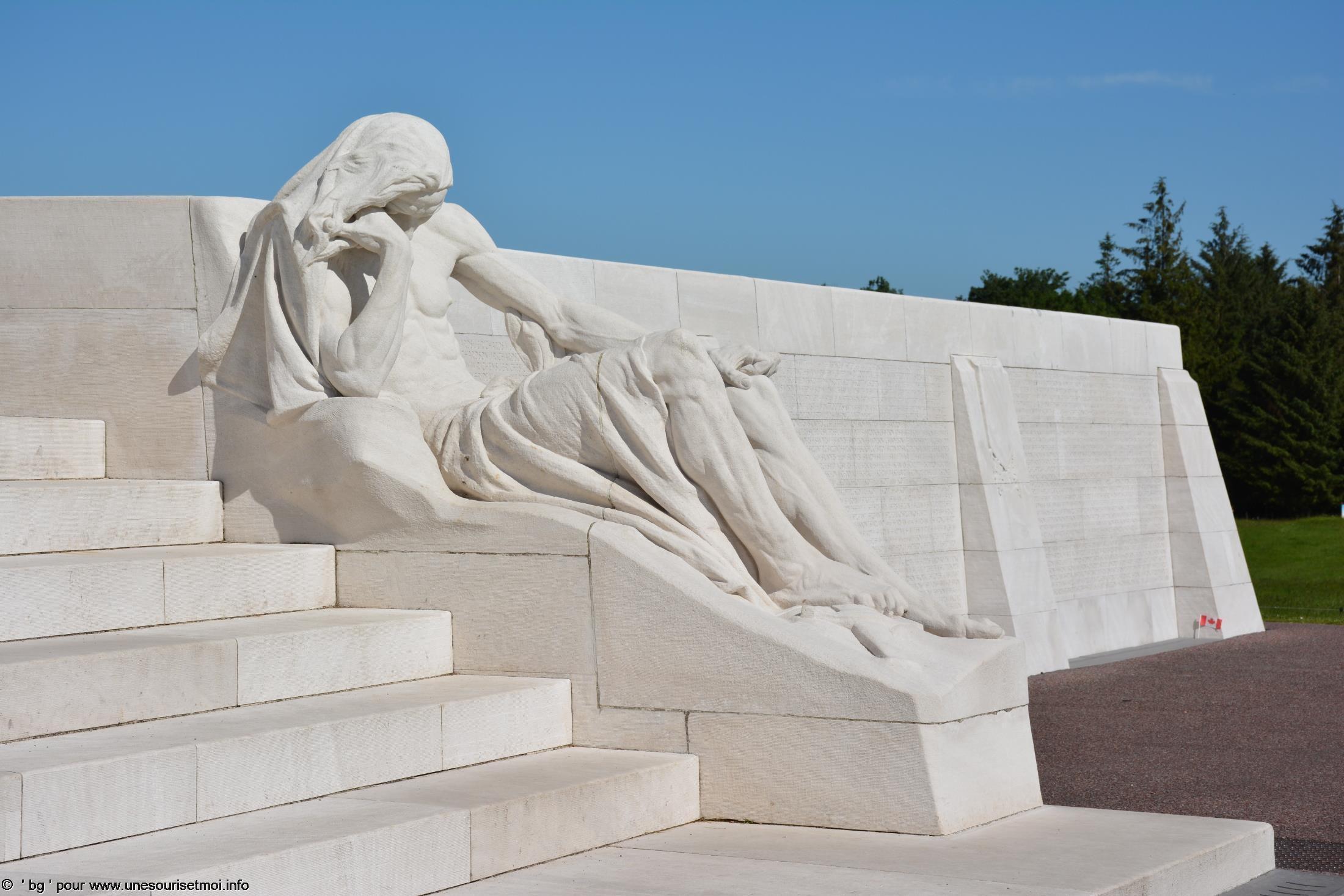 statues-et-sculptures-premiere-guerre-mondiale-le-parc-et-le-memorial-canadien-de-vimy_7