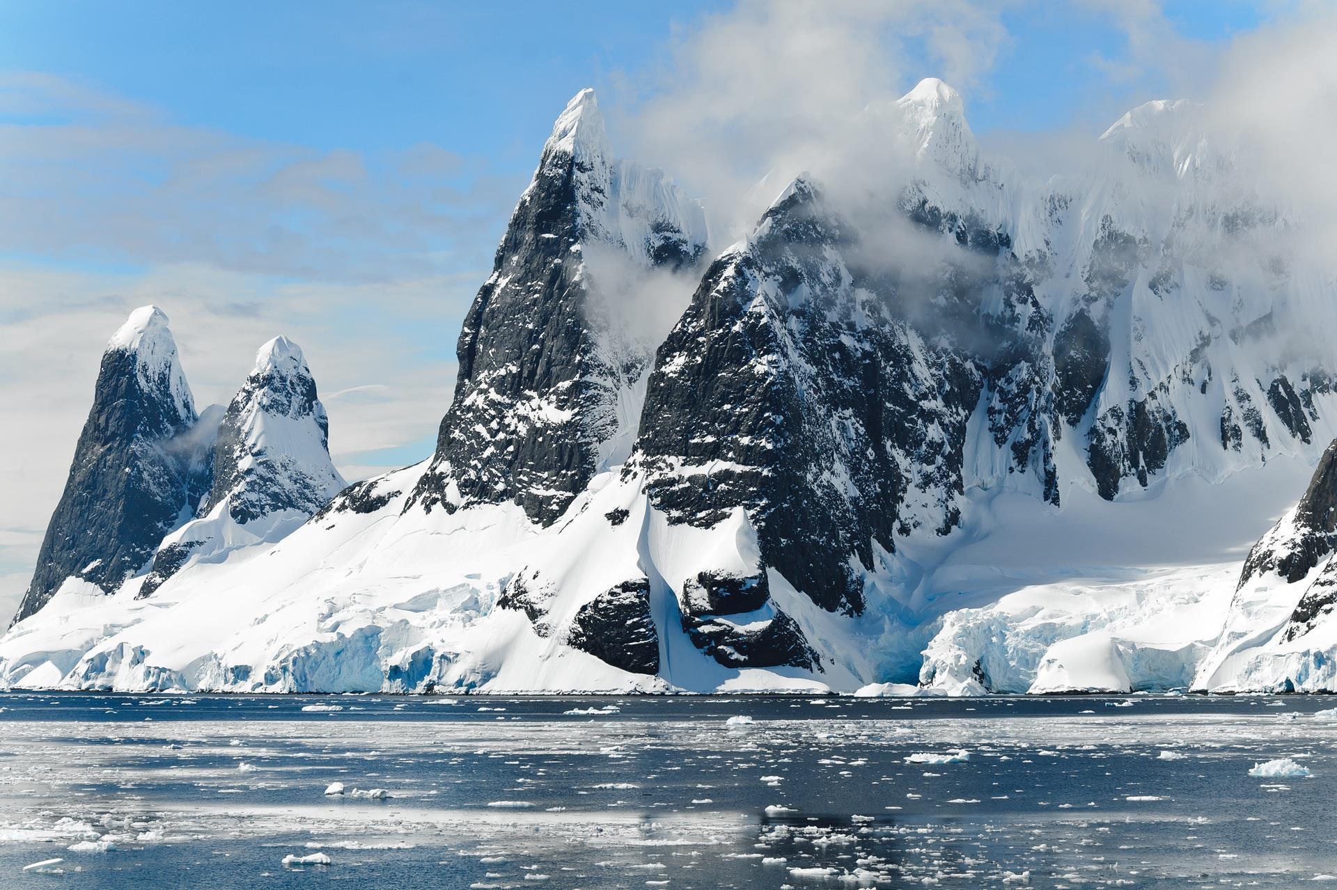 hiver-en-fond-d-ecran_free-download-pictures_montagnes