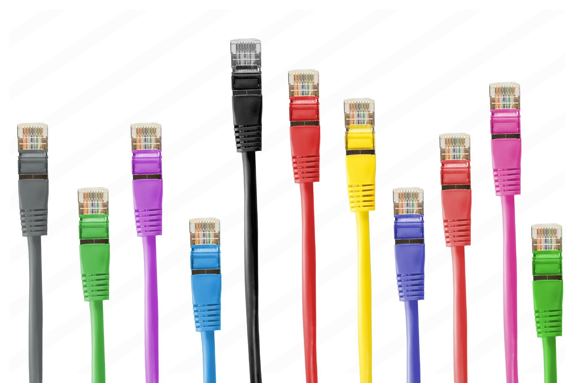 cables-informatique-fond-ecran-de-toutes-les-couleurs_telecharger