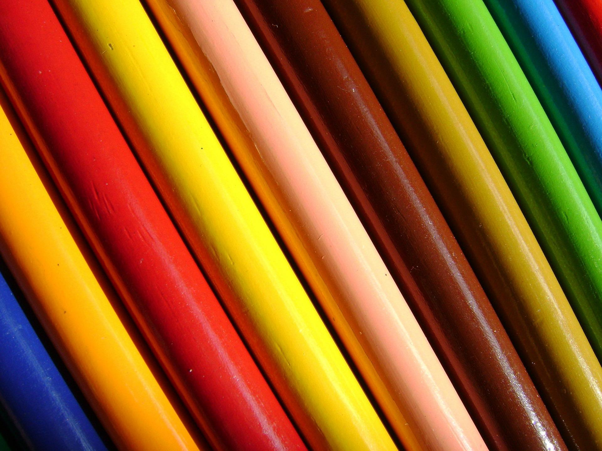 crayons-fond-ecran-de-toutes-les-couleurs_telecharger