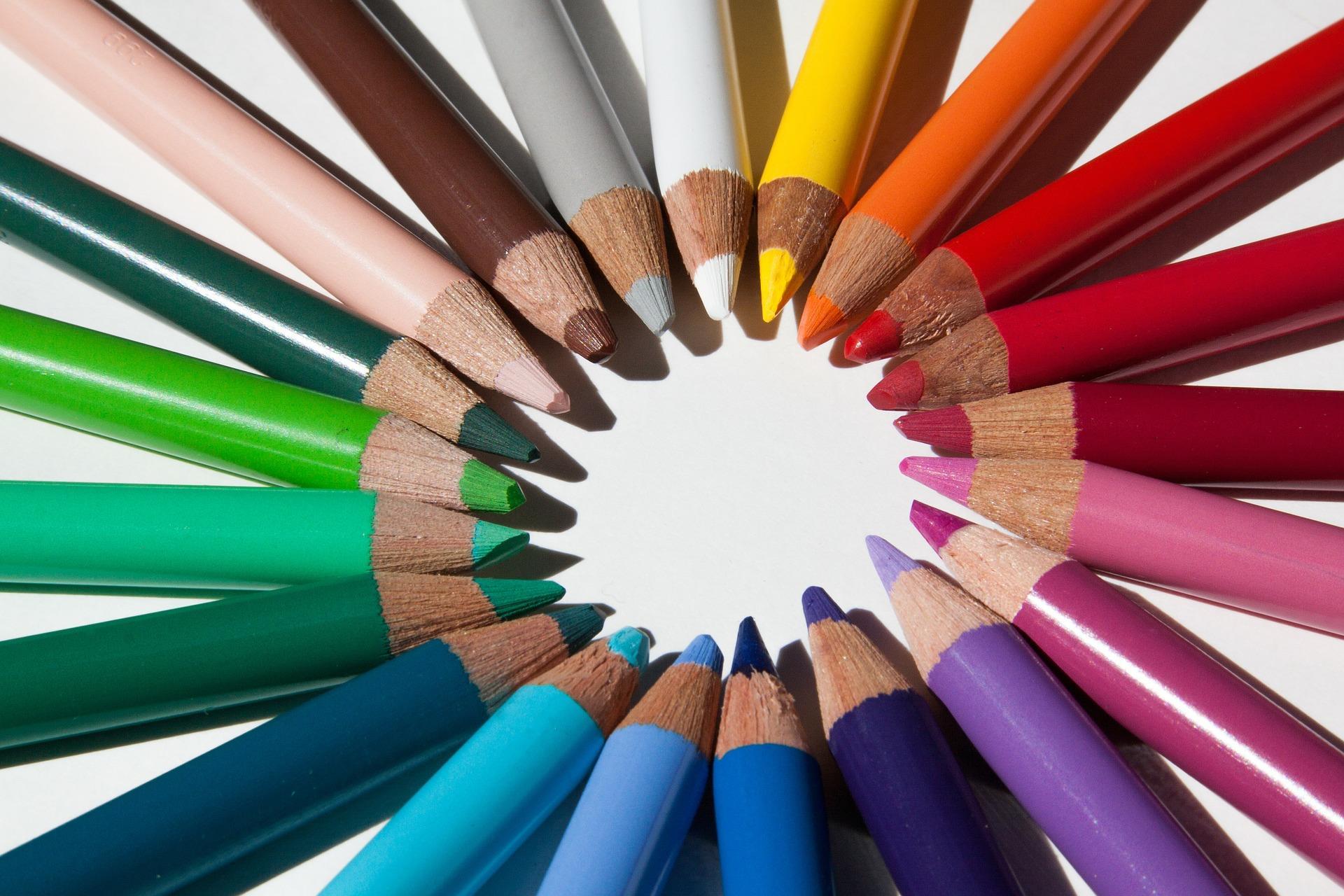 crayons-fond-ecran-gratuit-avec-toutes-les-couleurs
