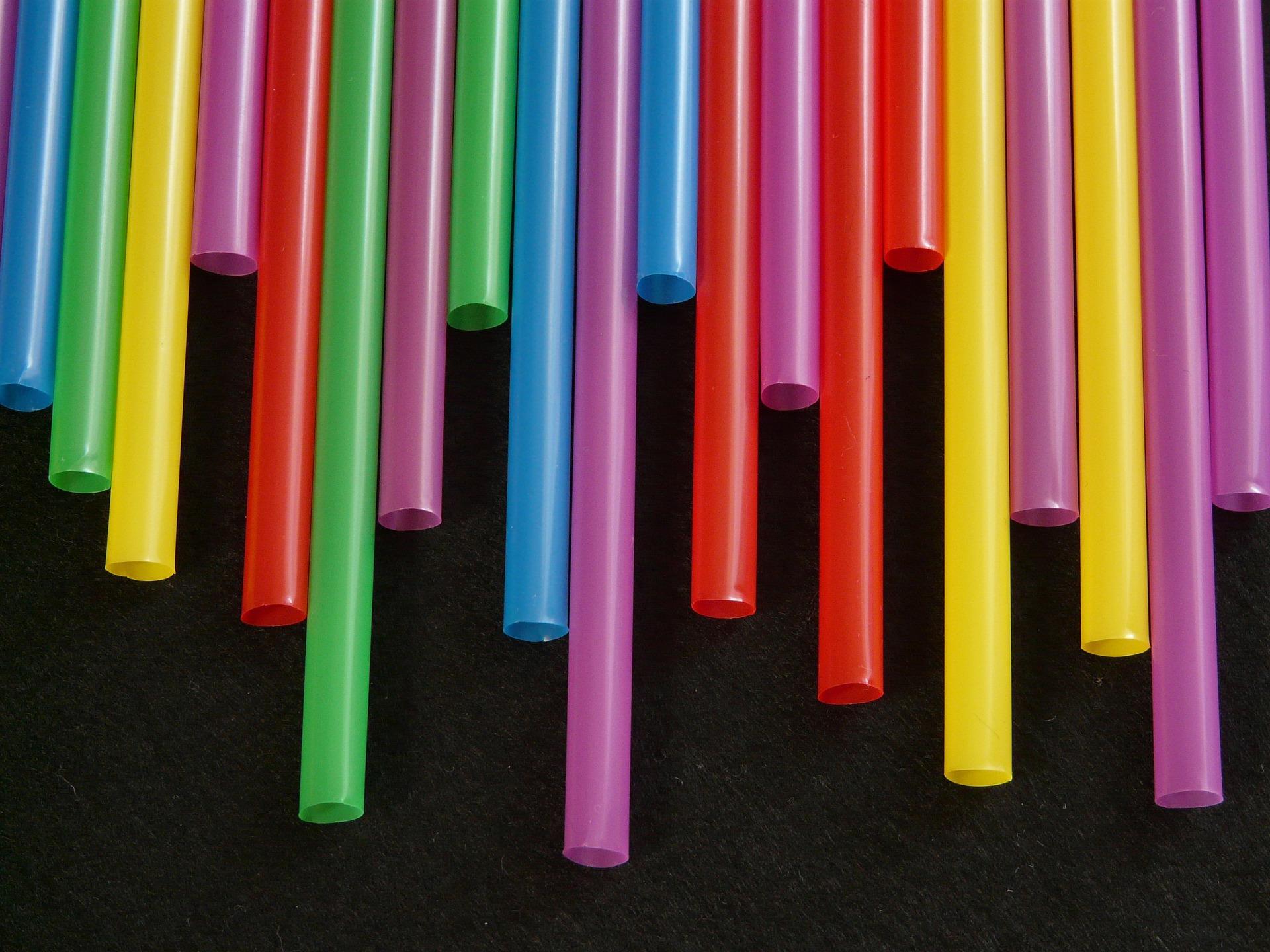 pailles-ou-chalumeaux-variation-de-couleurs