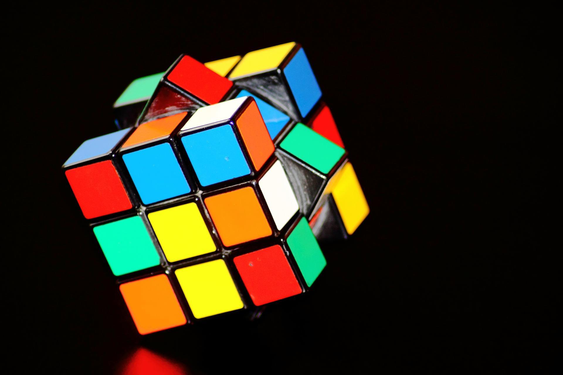 rubiks-cube-fond-ecran-de-toutes-les-couleurs_telecharger