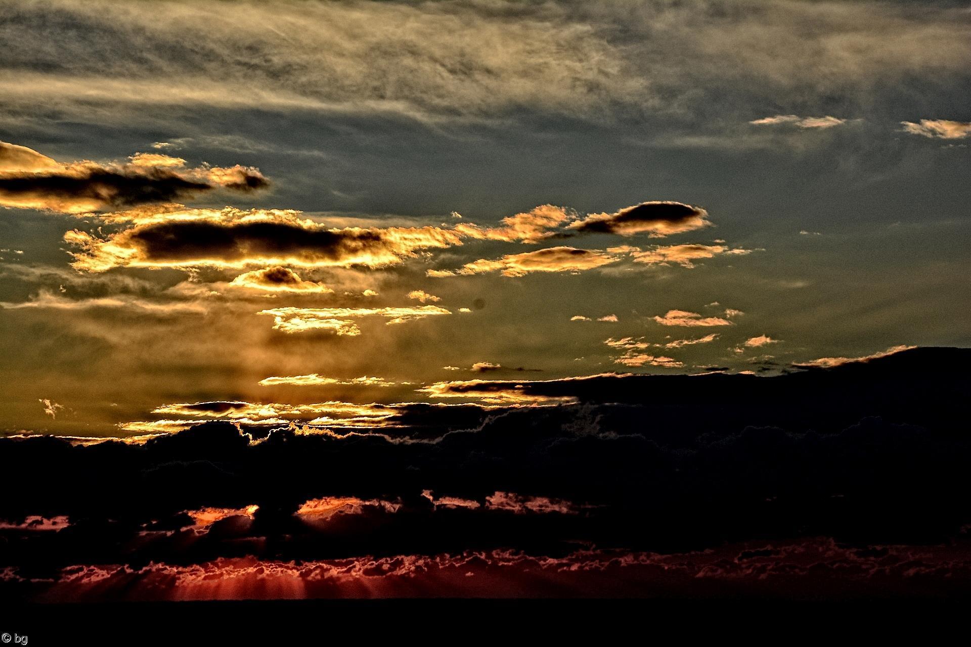 nuages-et-coucher-de-soleil_2