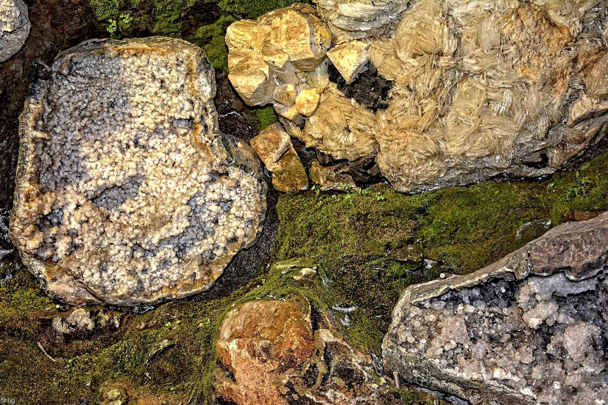 geode-mineraux-et-cristaux-en-HDR_4