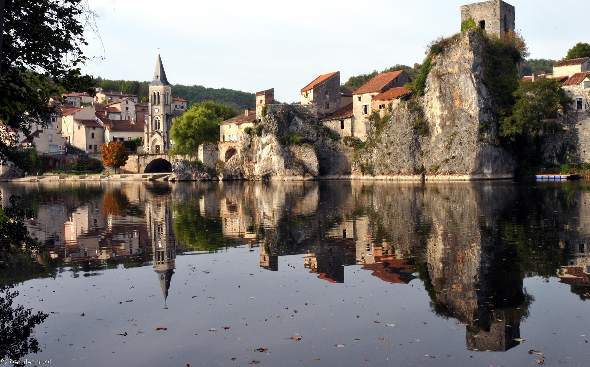 cahors_reflet-dans-la-riviere