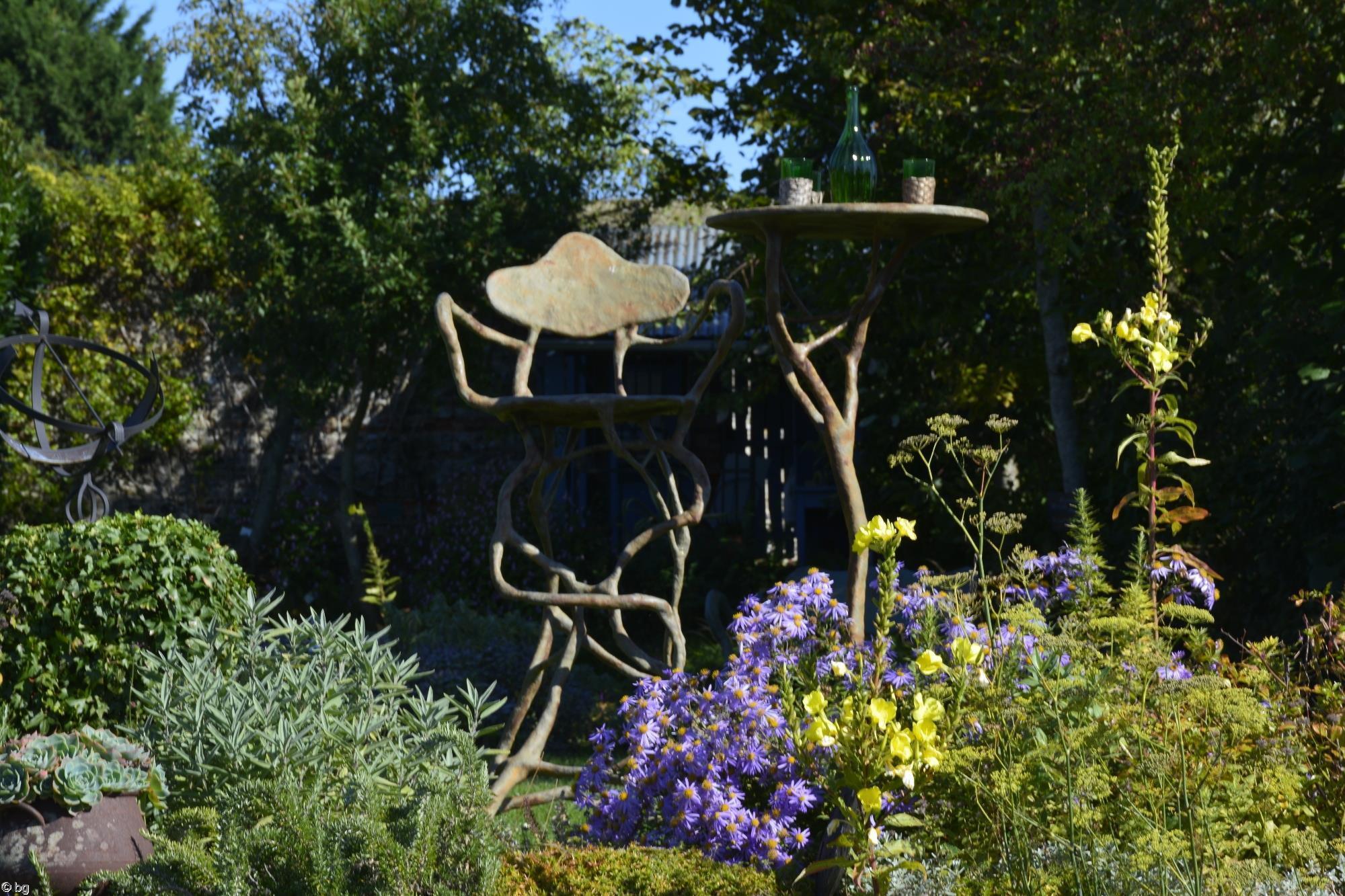 chaise-et-table_promenade-dans-la-verdure_10