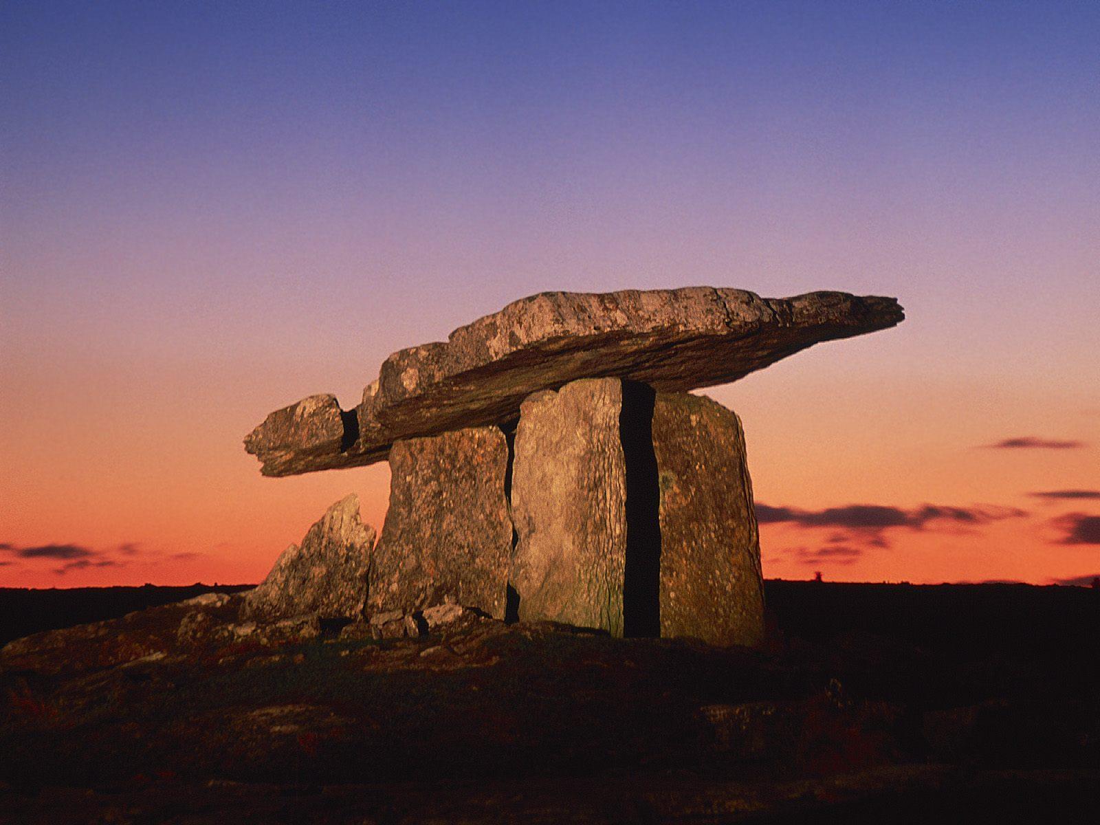 Ireland_Poulnabrone-Portal-Dolmen-County-Clare
