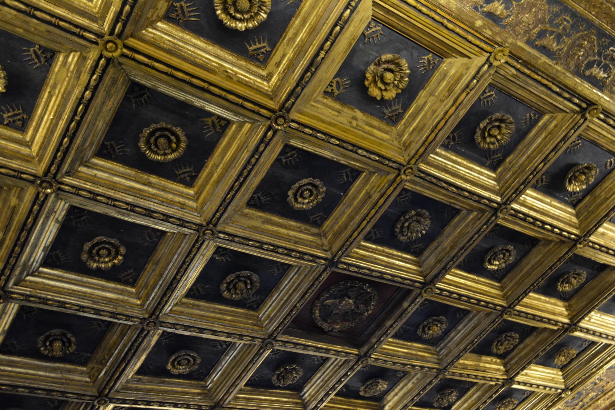 un-plafond-et-les-dorures_2