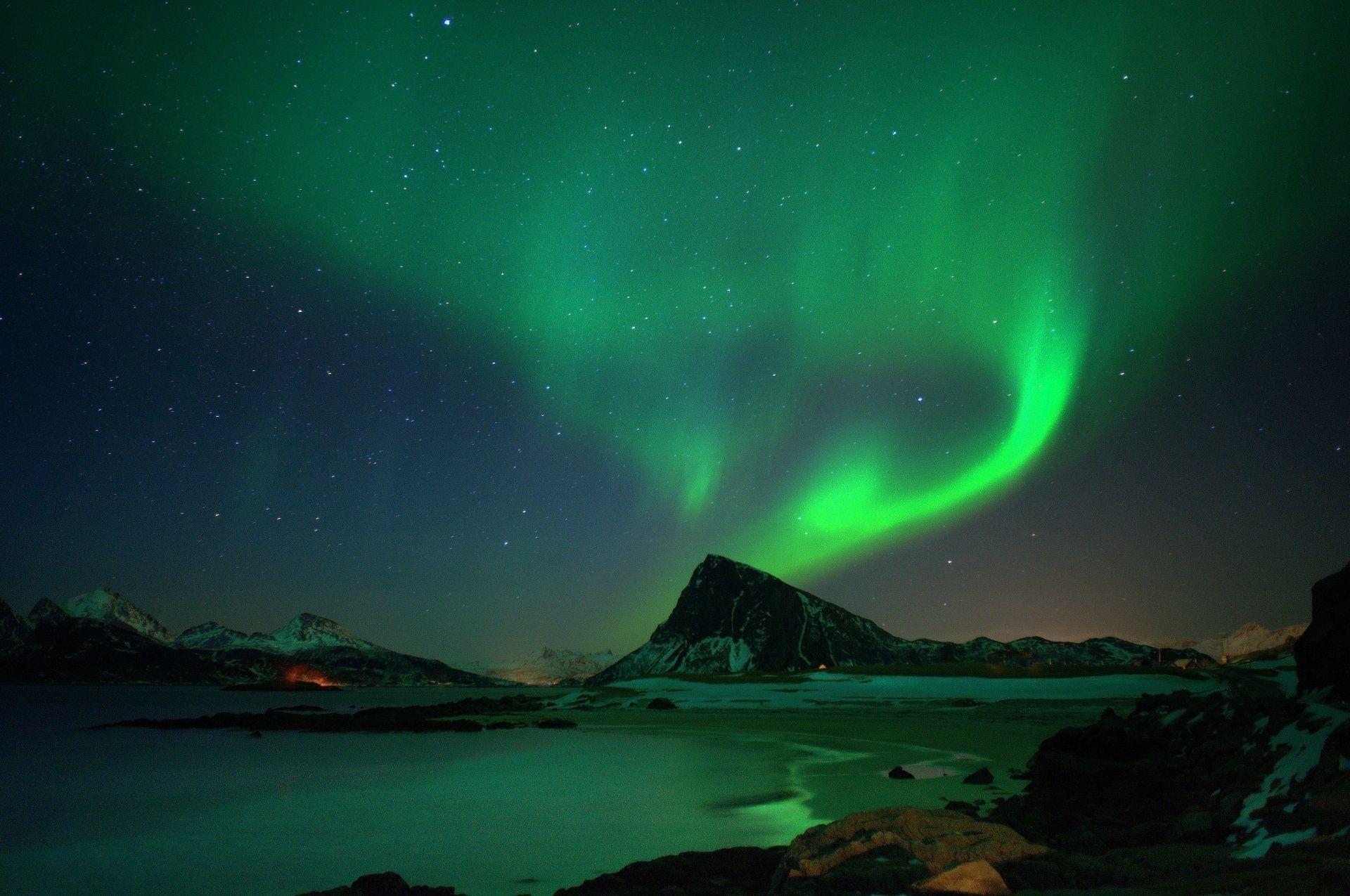 aurore-boreale_fonds-ecran-gratuits_paysage_1