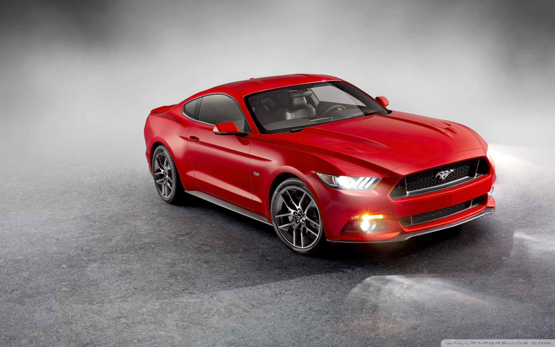 ford-mustang-luxe-rouge