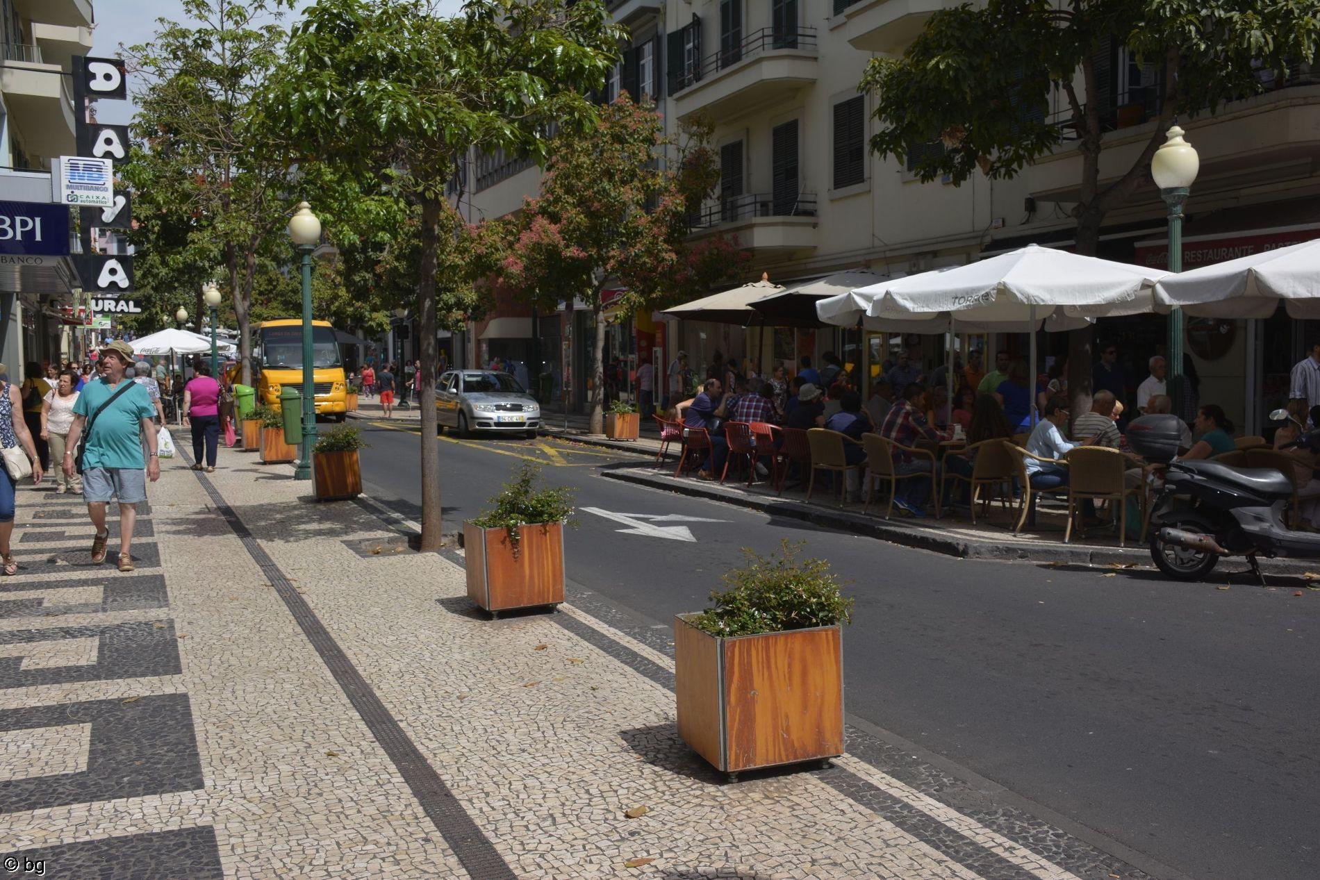 rue-principale-de-funchal-madere