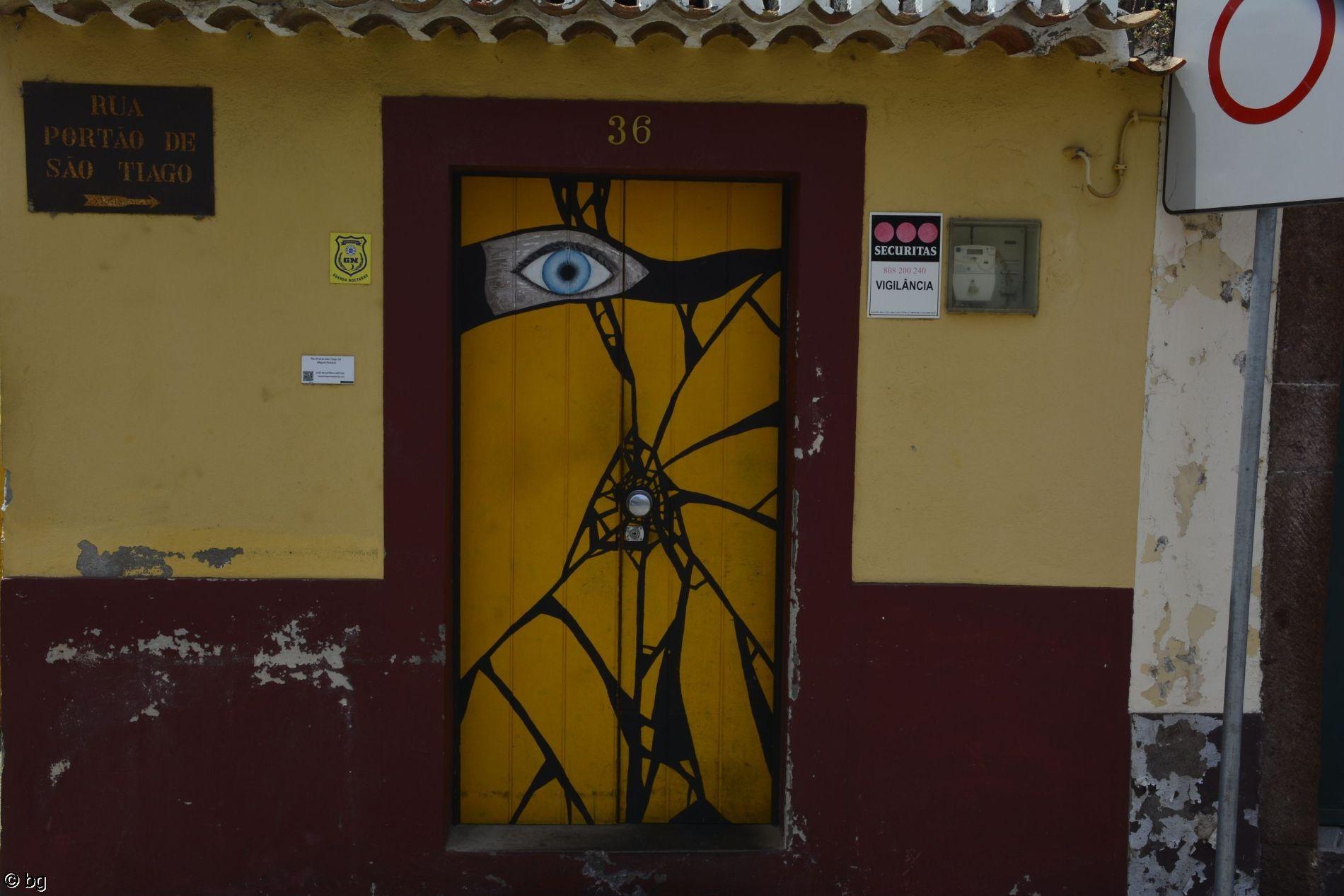rue-typique-de-funchal-madere-1