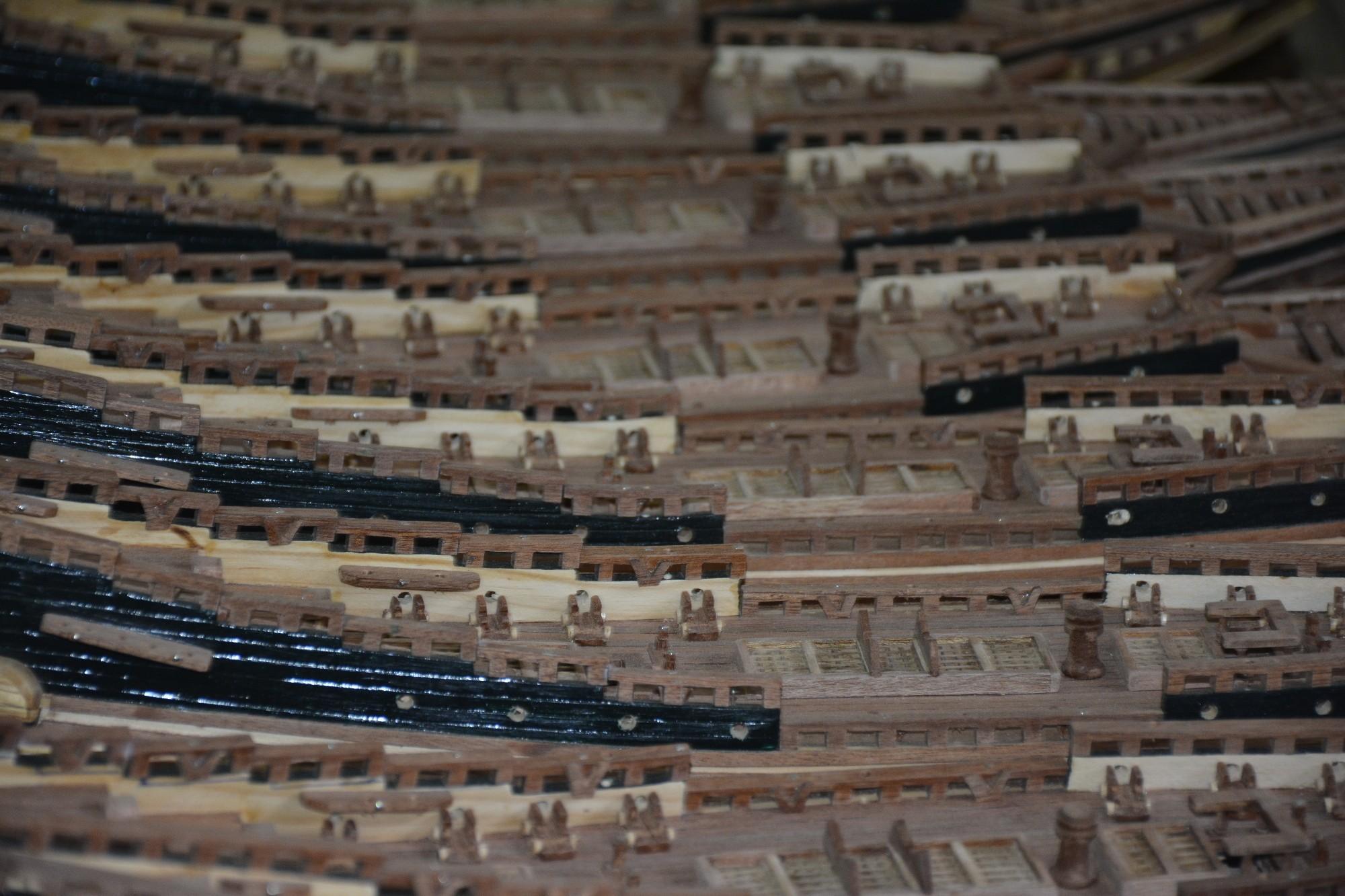 usine-de-maquettes-sous-lesl-tropiques-2000