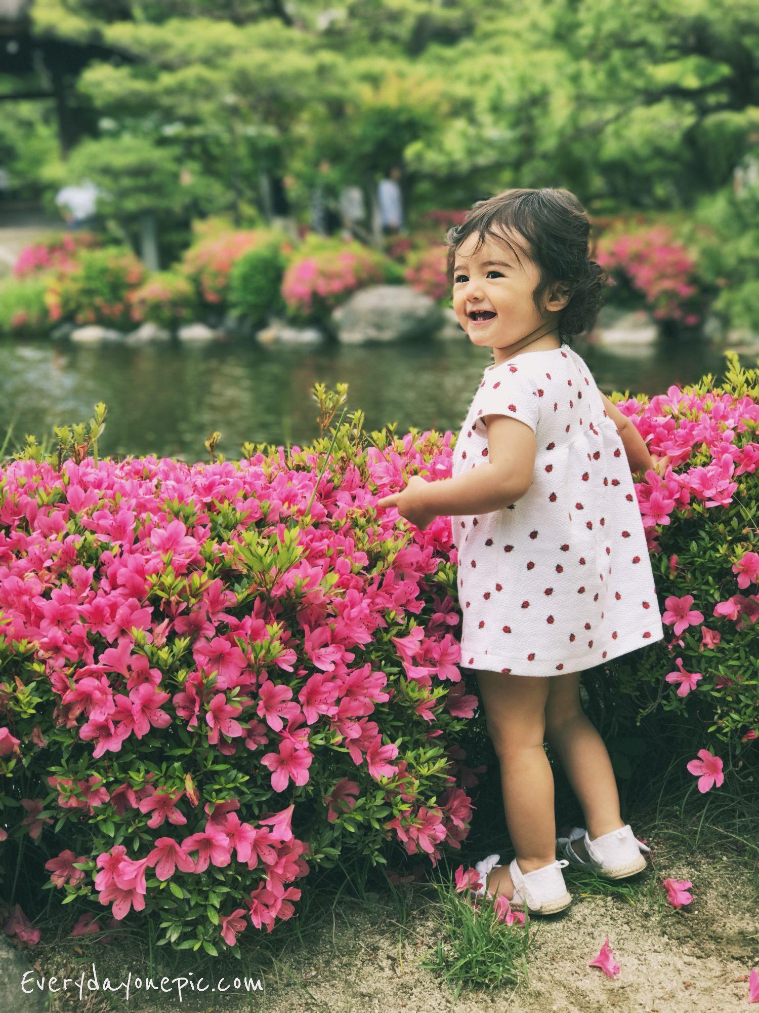 petite-fille-joyeuse