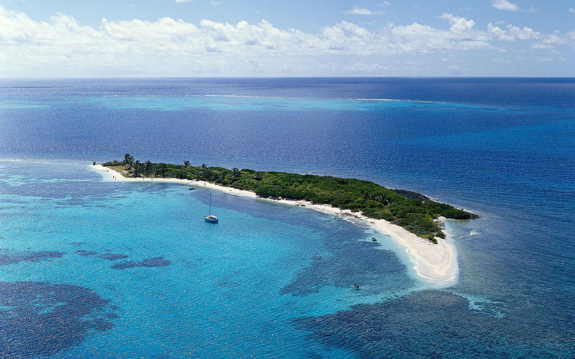 stvincent-atol-ensoleille-sable-blanc