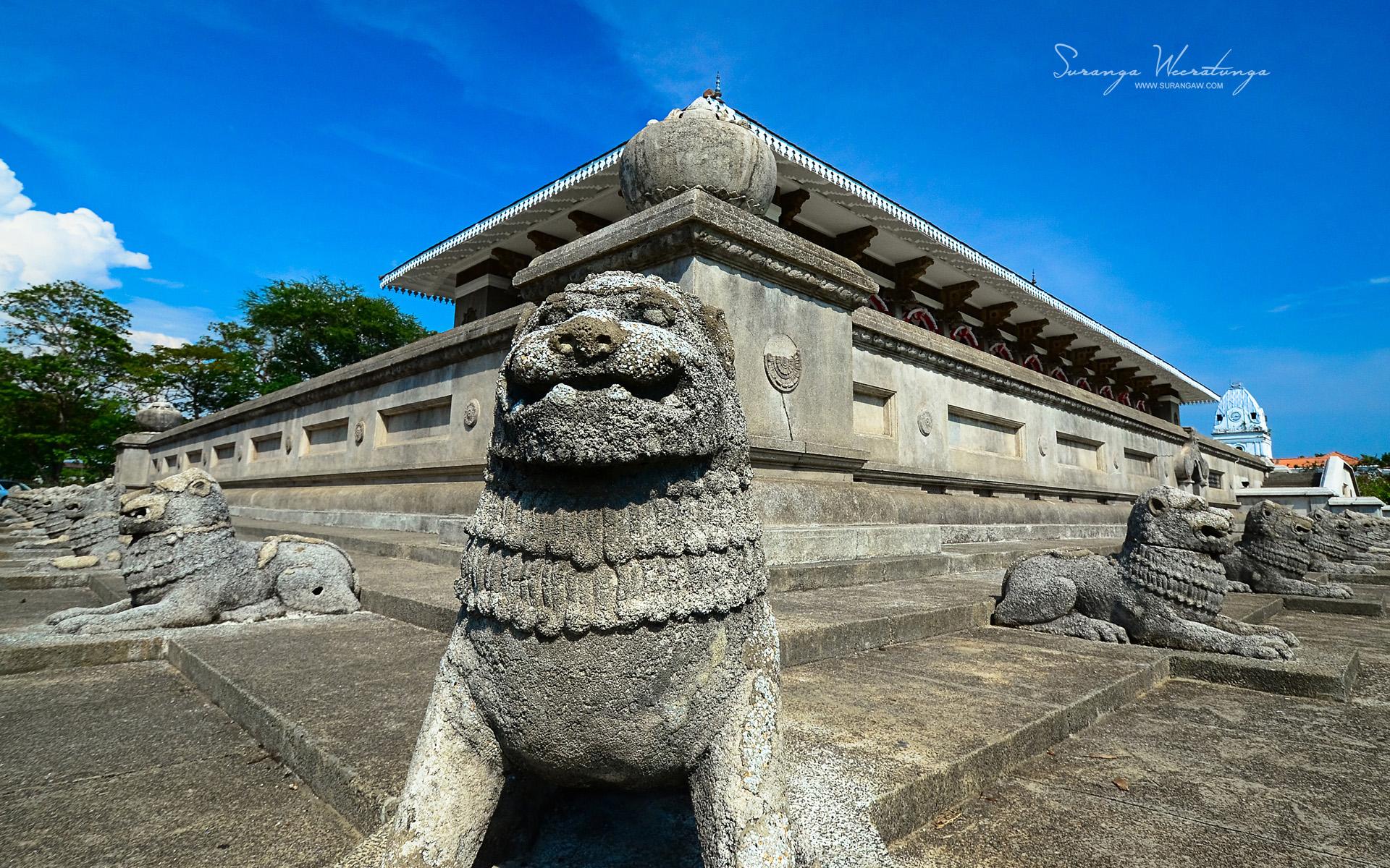 temple-visiter-srilanka