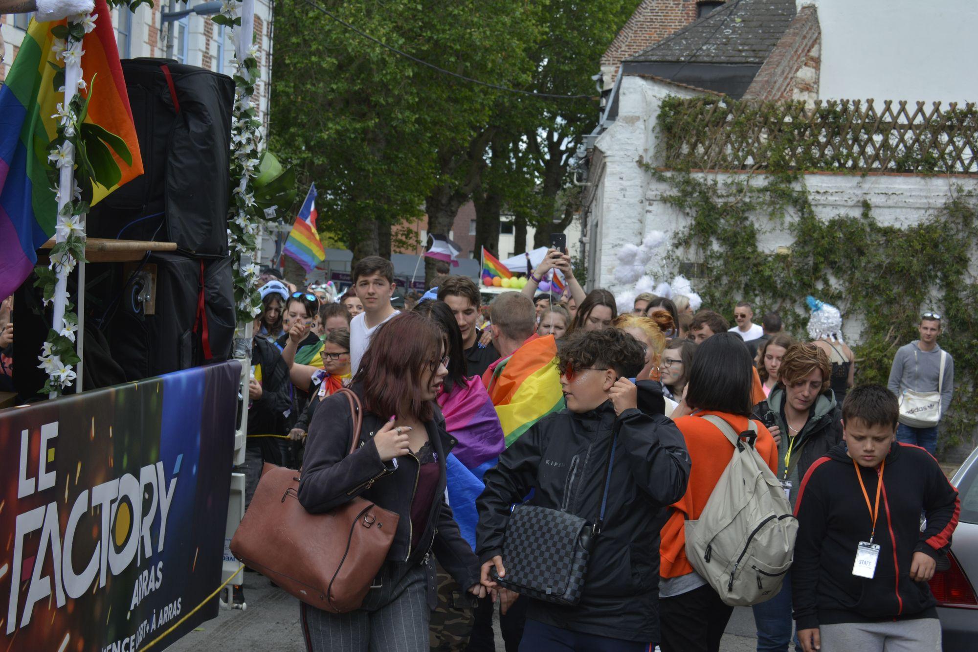 arras-pride-parade-2019-defile-dans-les-rues