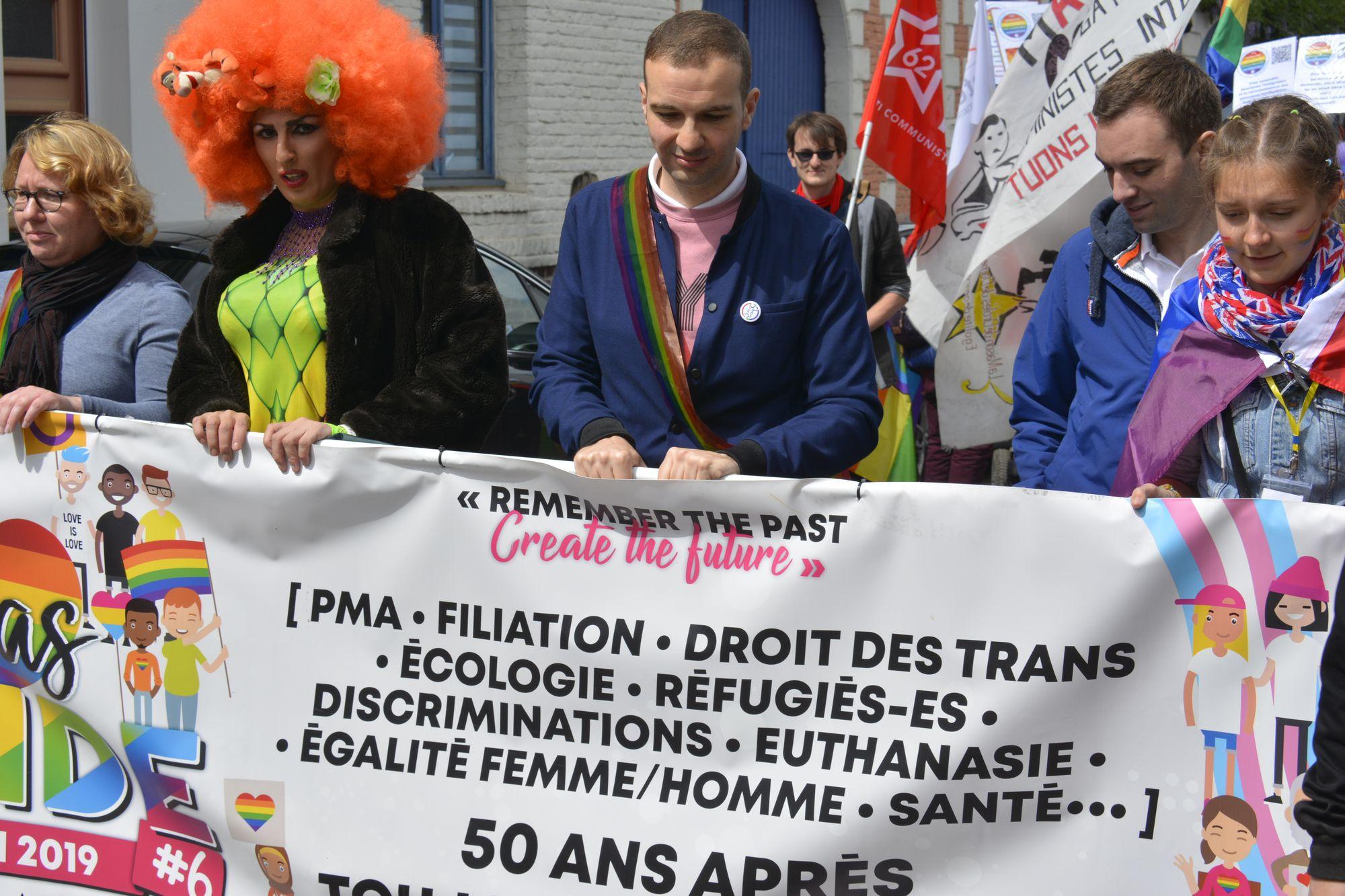 depart-defile-ville-arras-pride-parade