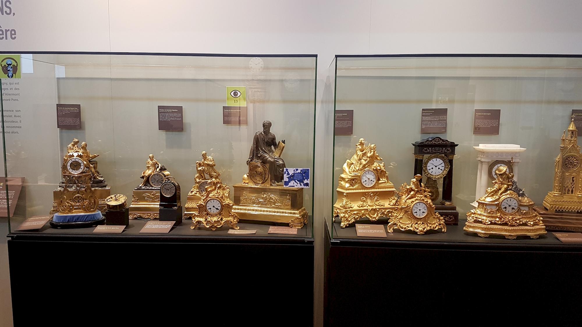 exposition-de-pendules-musee-de-l-horlogerie-Saint-Nicolas-d-Aliermont