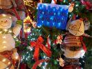 maison-du-pere-noel-cadeau-de-noel-gratuit-en-vitrine