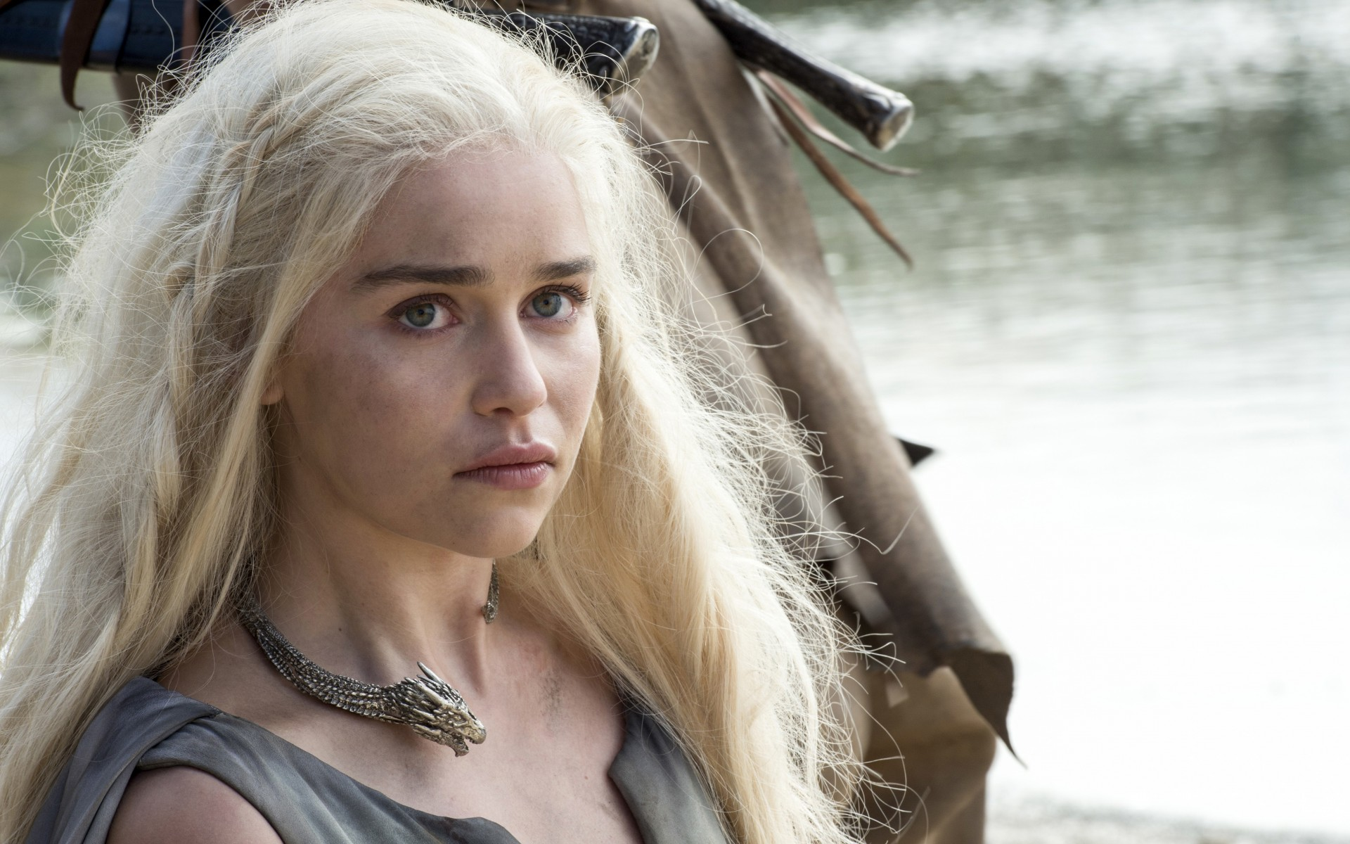 daenerys-targaryen-game-of-thrones-le-trone-de-fer