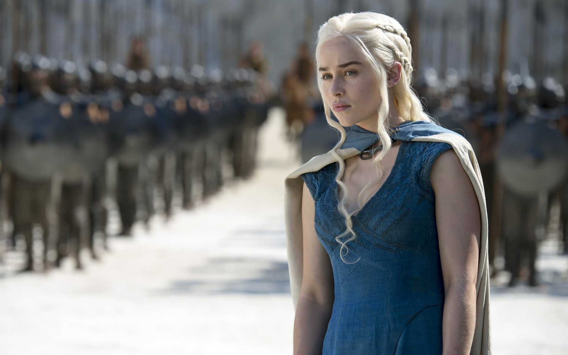 Emilia-Clarke-interprete-game-of-thrones-serie-TV