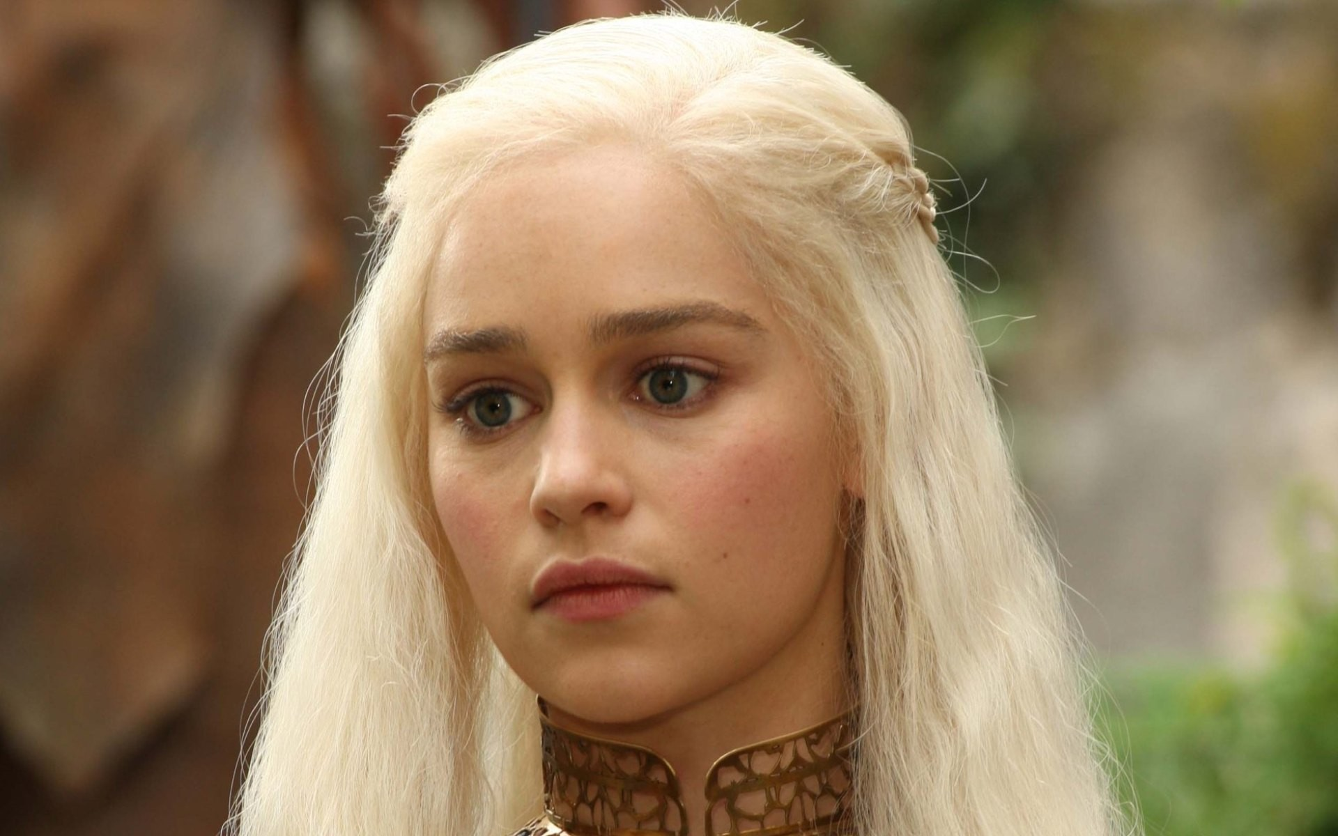 Emilia-Clarke-interprete-game-of-thrones