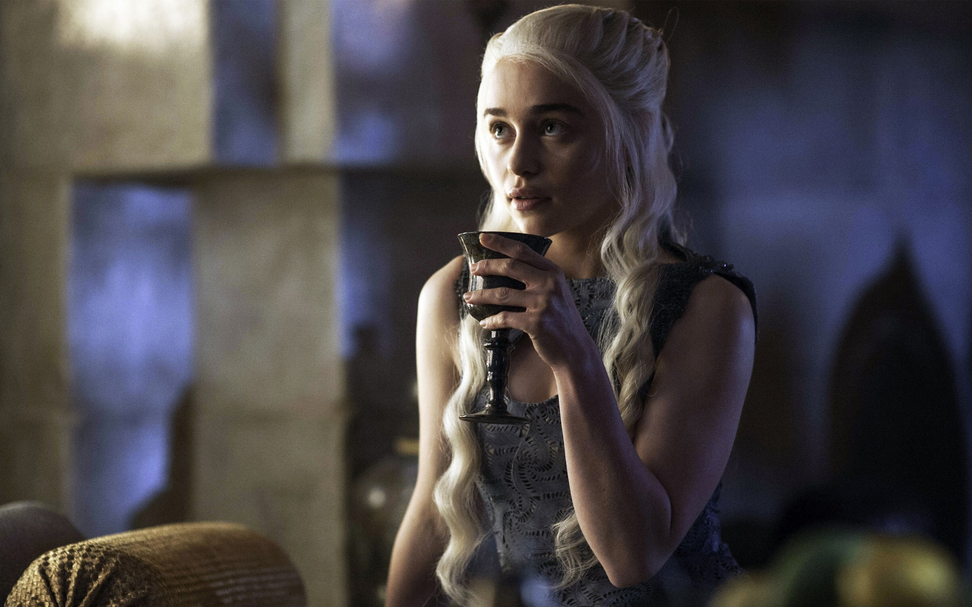 Emilia-Clarke-interprete-soumise-dans-game-of-thrones