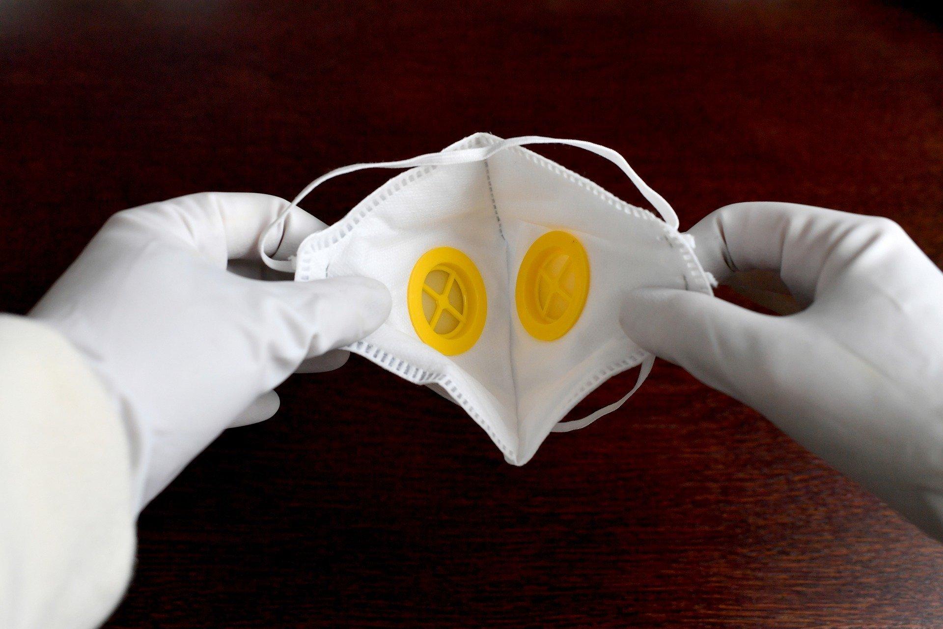 masque-et-gants-de-protection