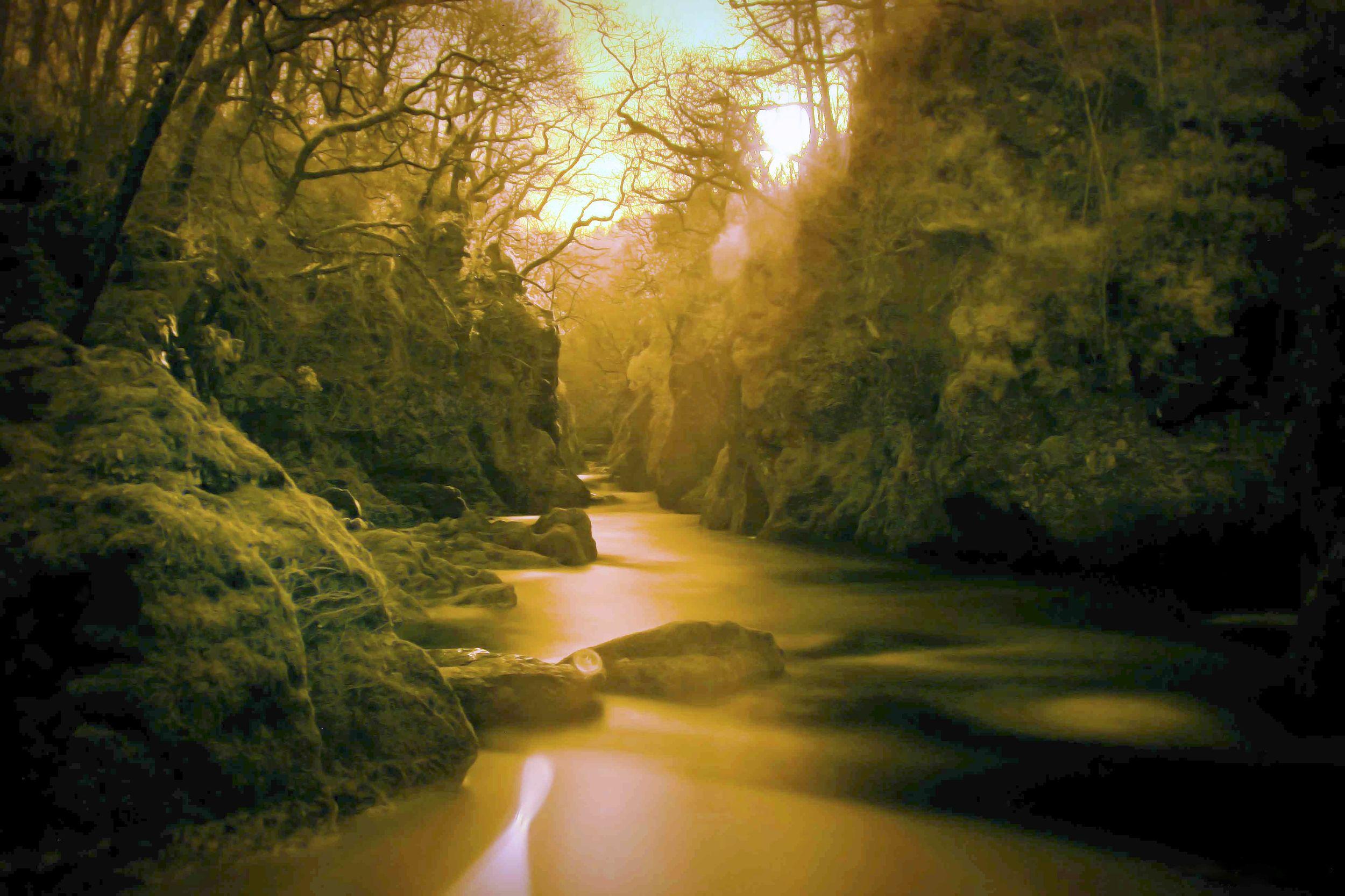 riviere-cachee