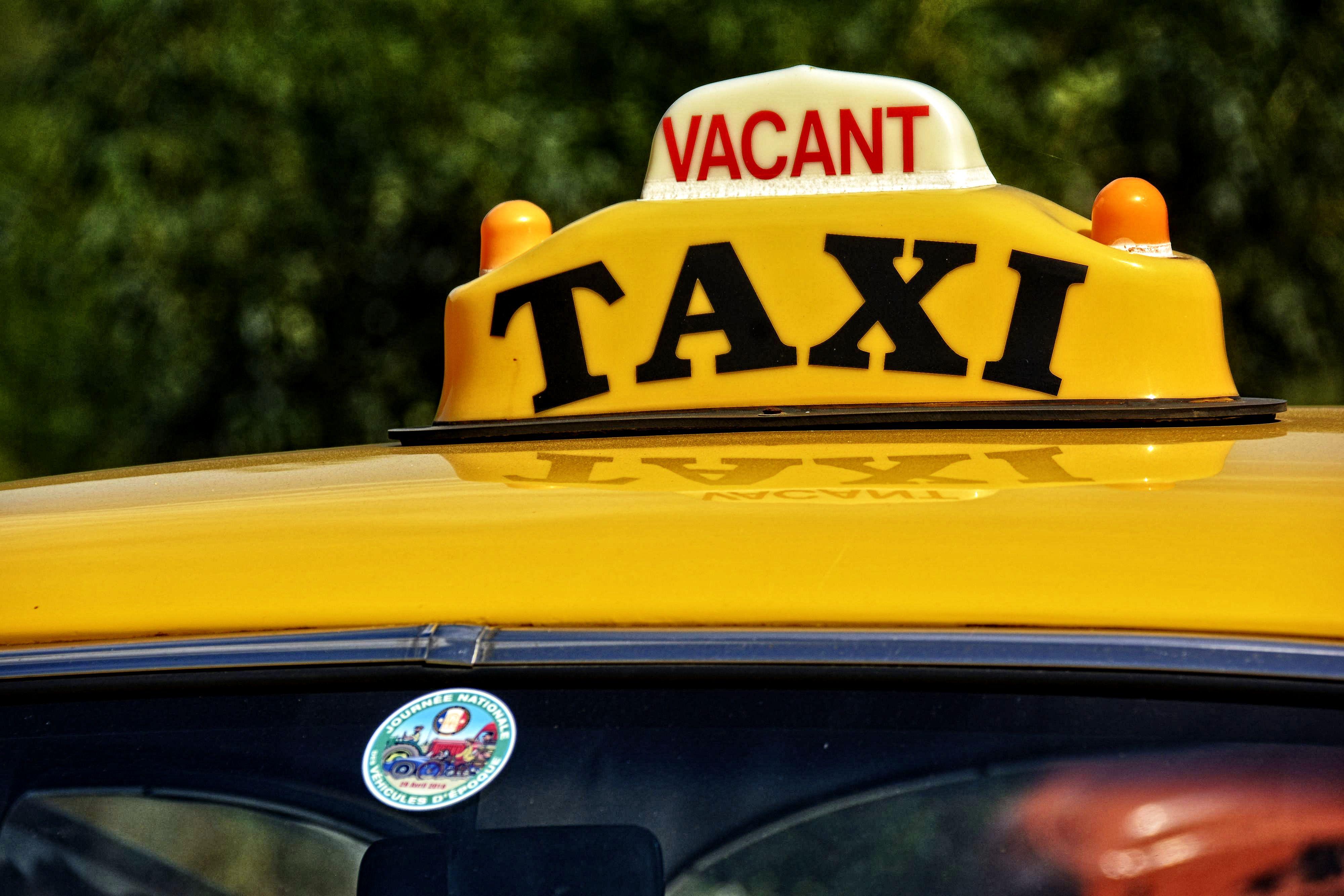ancien-taxi-libre
