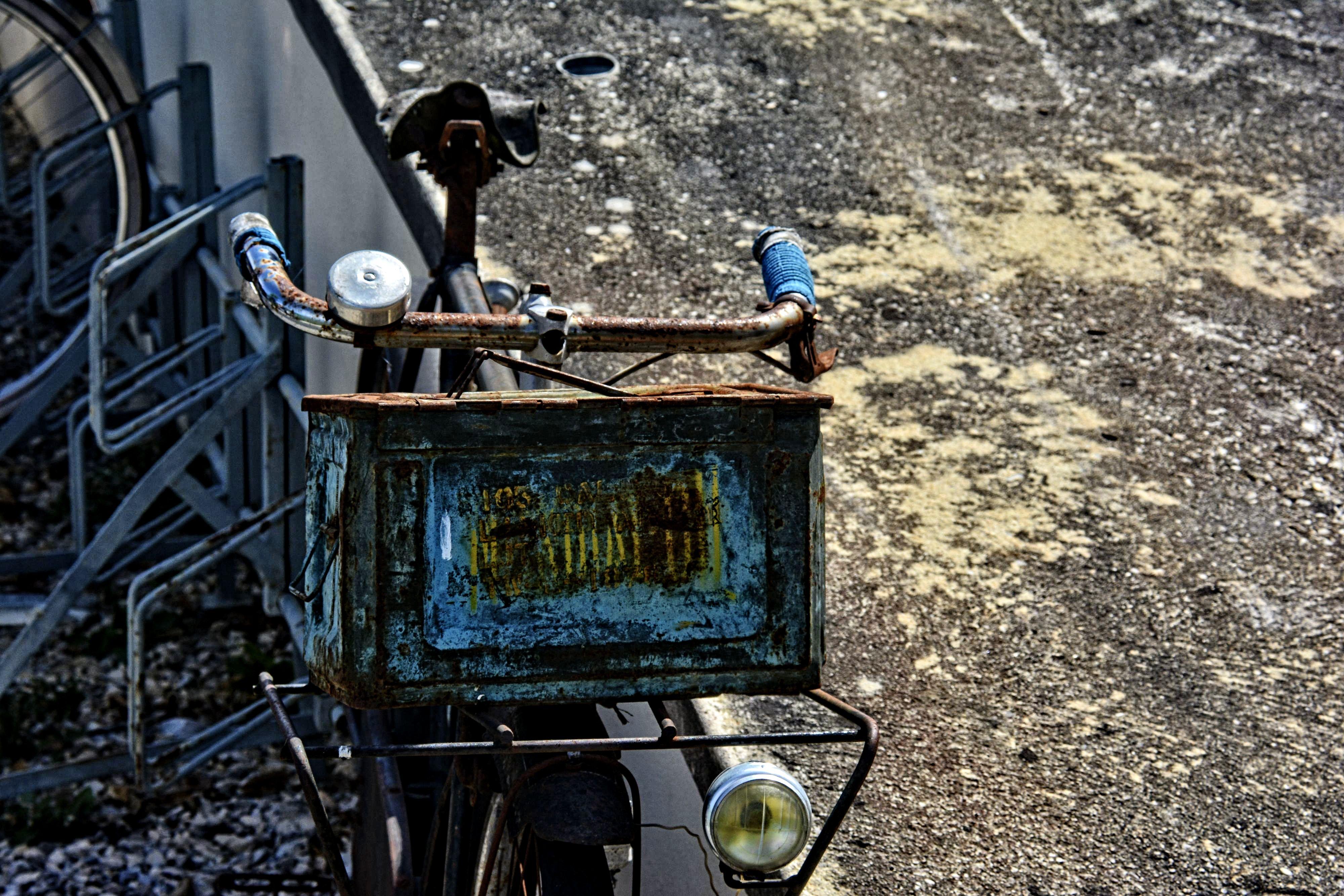 la-bicyclette-rouillee