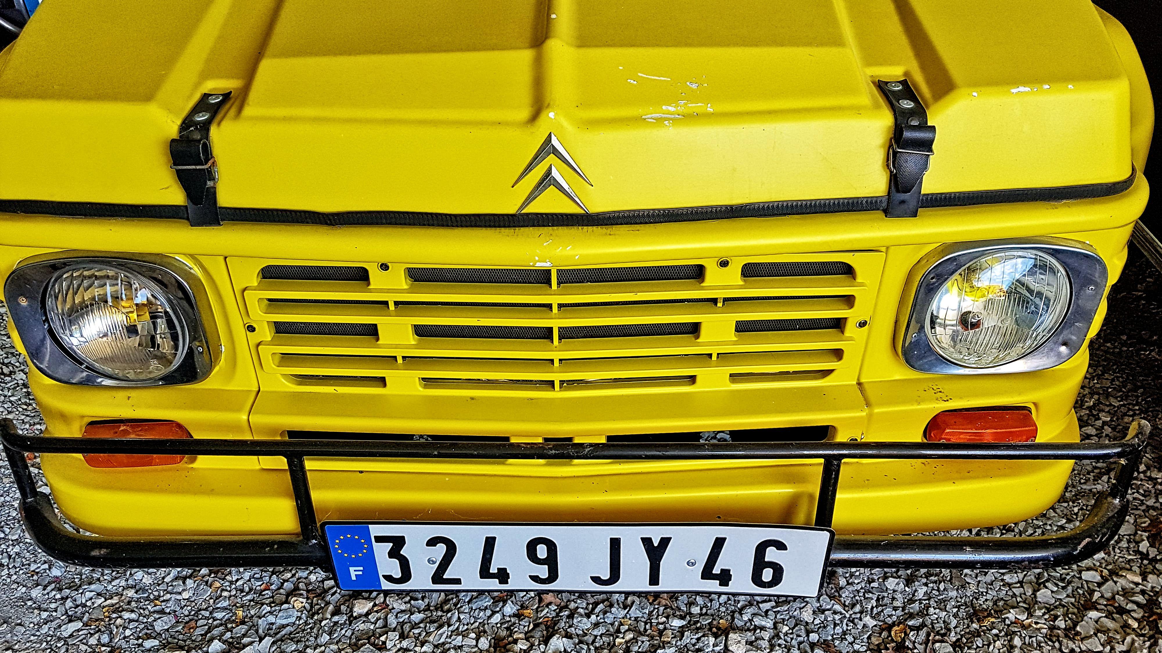 mehari-jaune-vintage-mecanique
