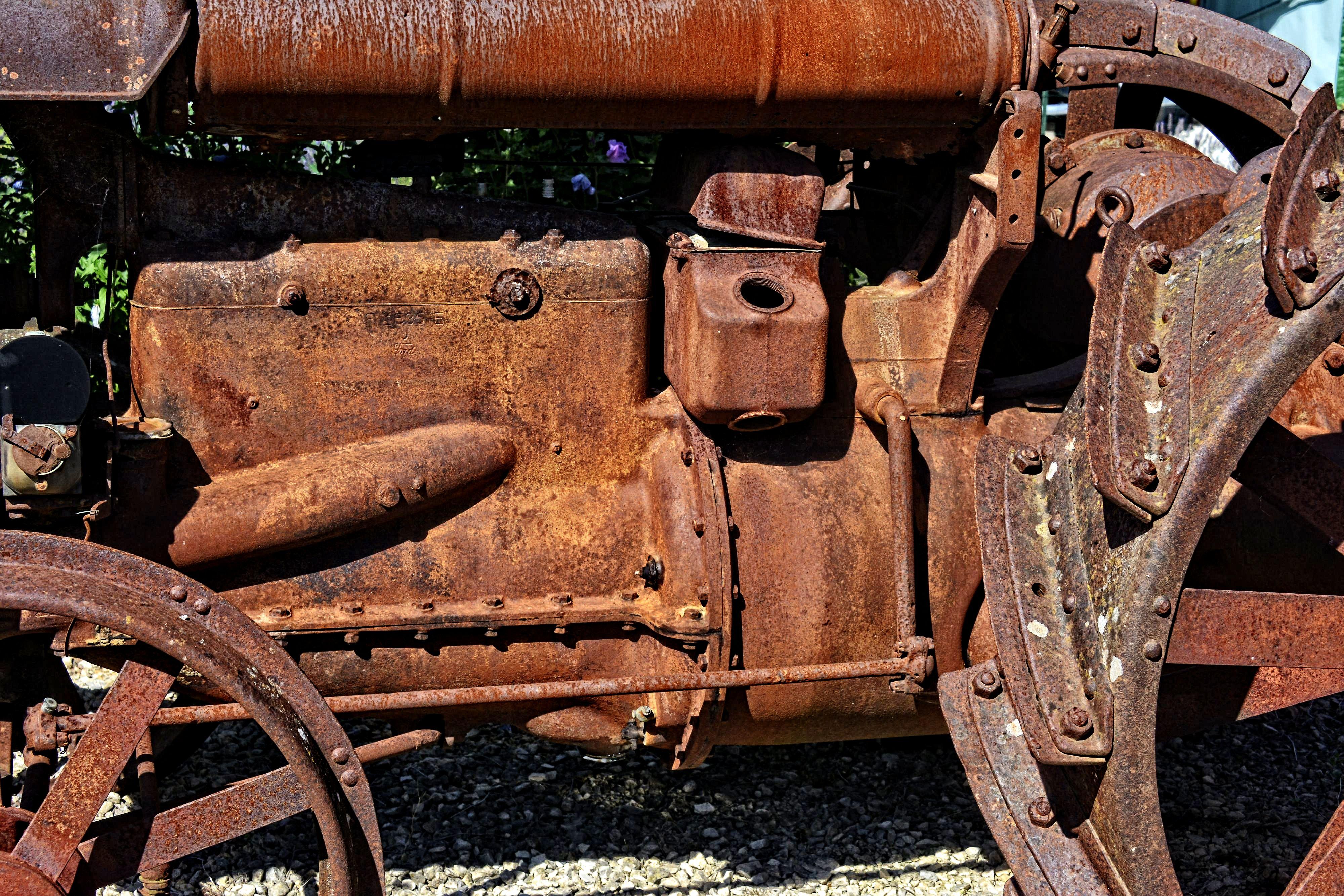 vieille-mecanique-de-tracteur