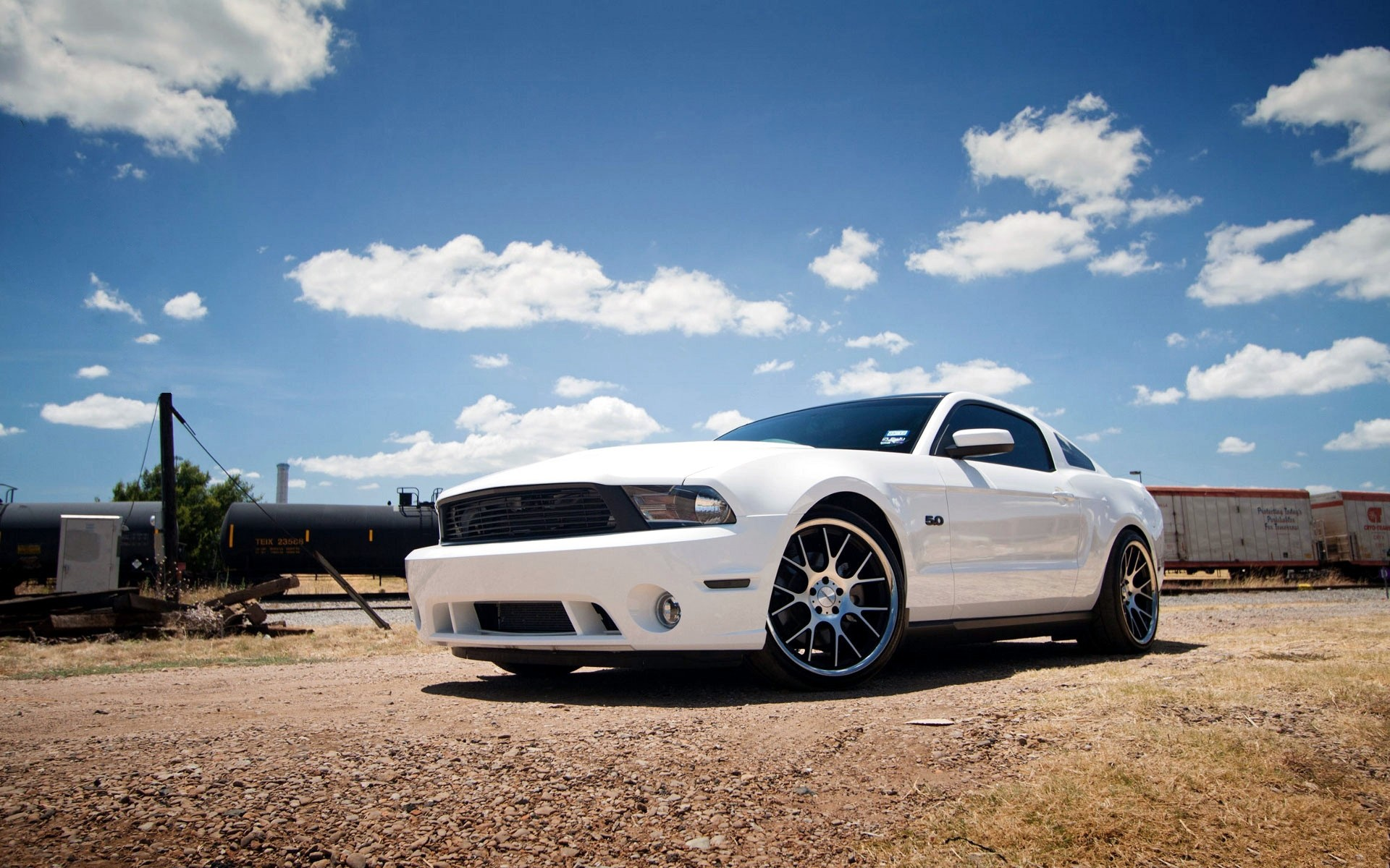 Ford-Mustang-Wide-Screen-Wallpapers_02